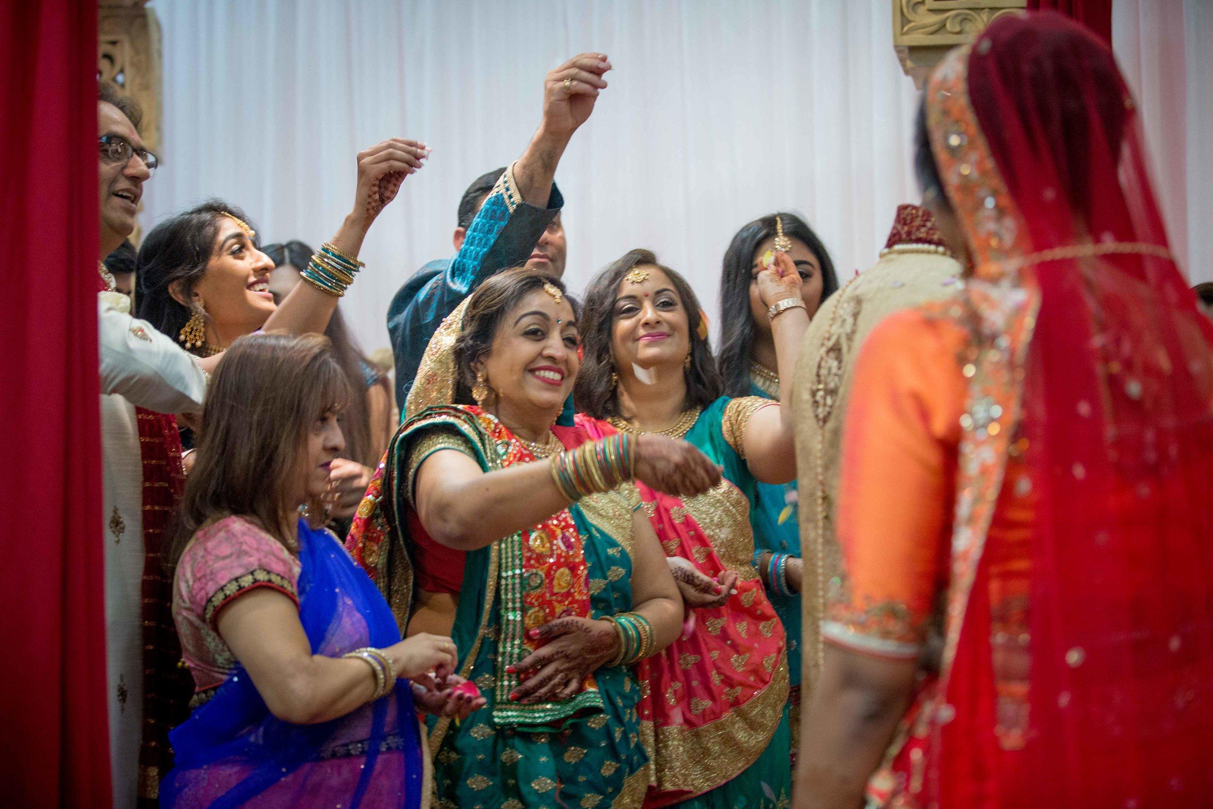 premier-banquetting-london-Hindu-asian-wedding-photographer-natalia-smith-photography-27.jpg