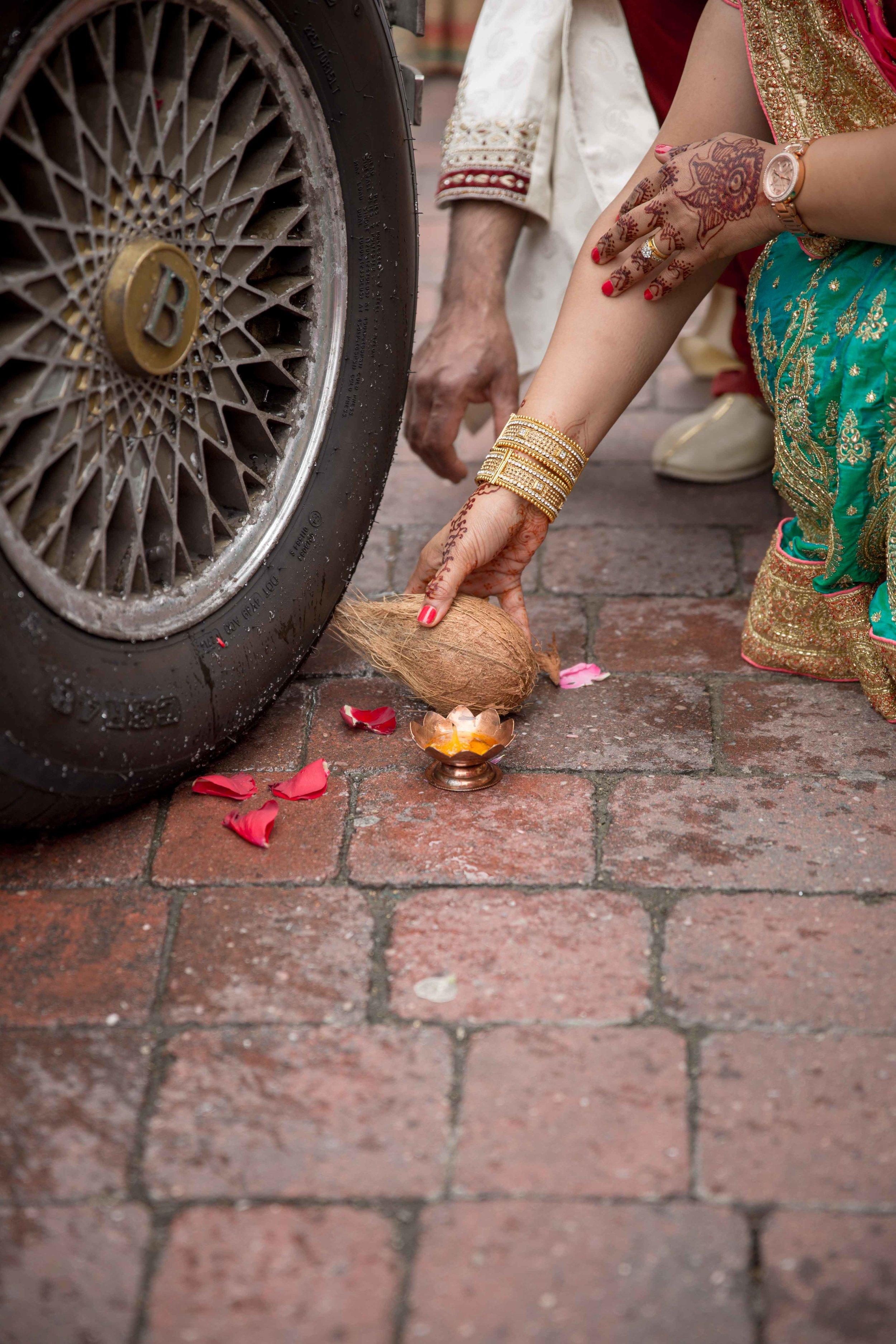 premier-banquetting-london-Hindu-asian-wedding-photographer-natalia-smith-photography-49.jpg