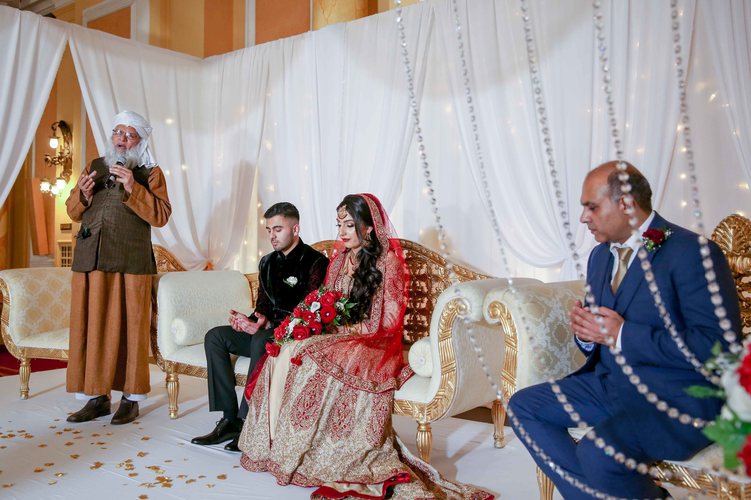 Female-asian-wedding-photographer-Cardiff-City-Hall-natalia-smith-photography-25.jpg