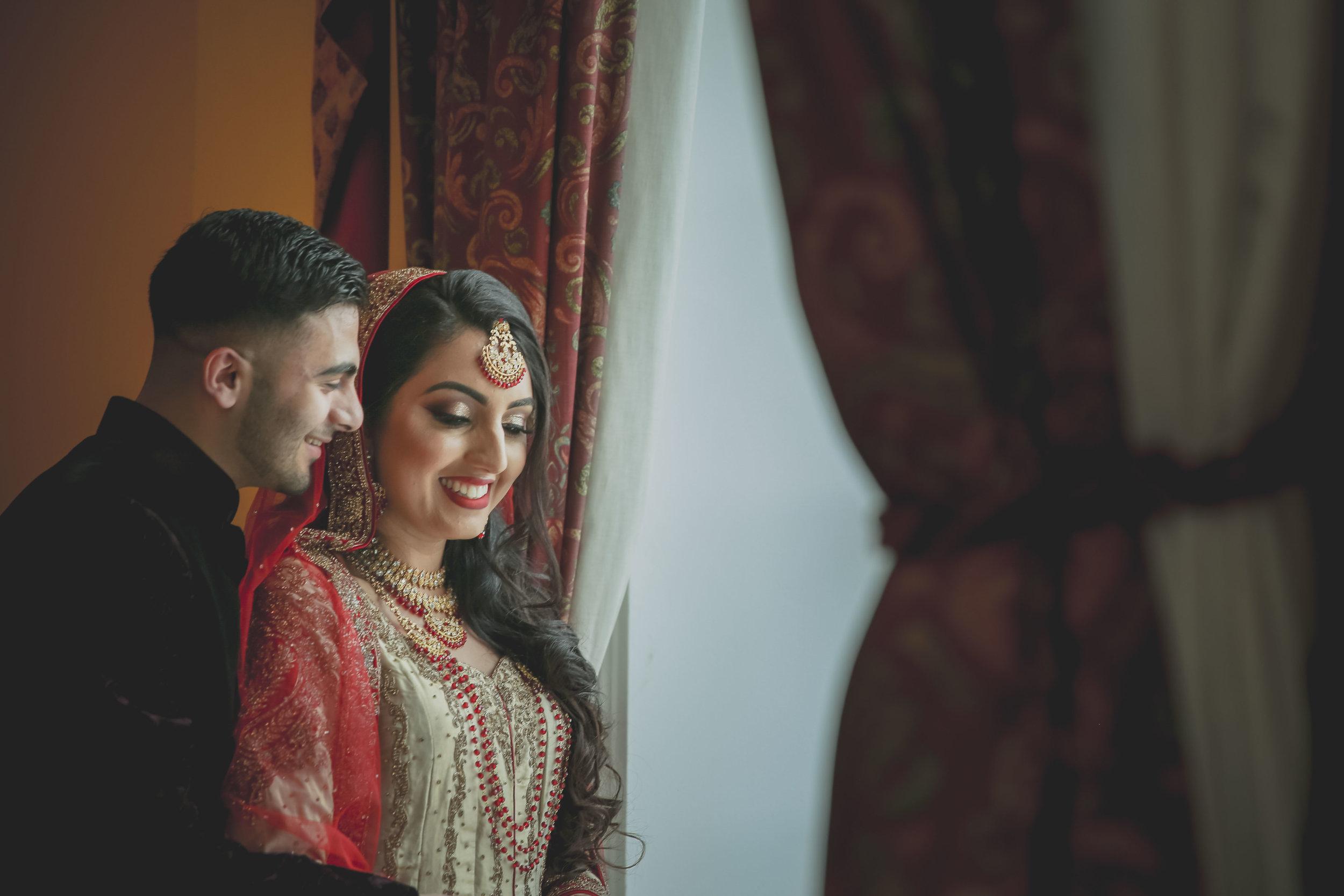 Female-asian-wedding-photographer-Cardiff-City-Hall-natalia-smith-photography-34.jpg