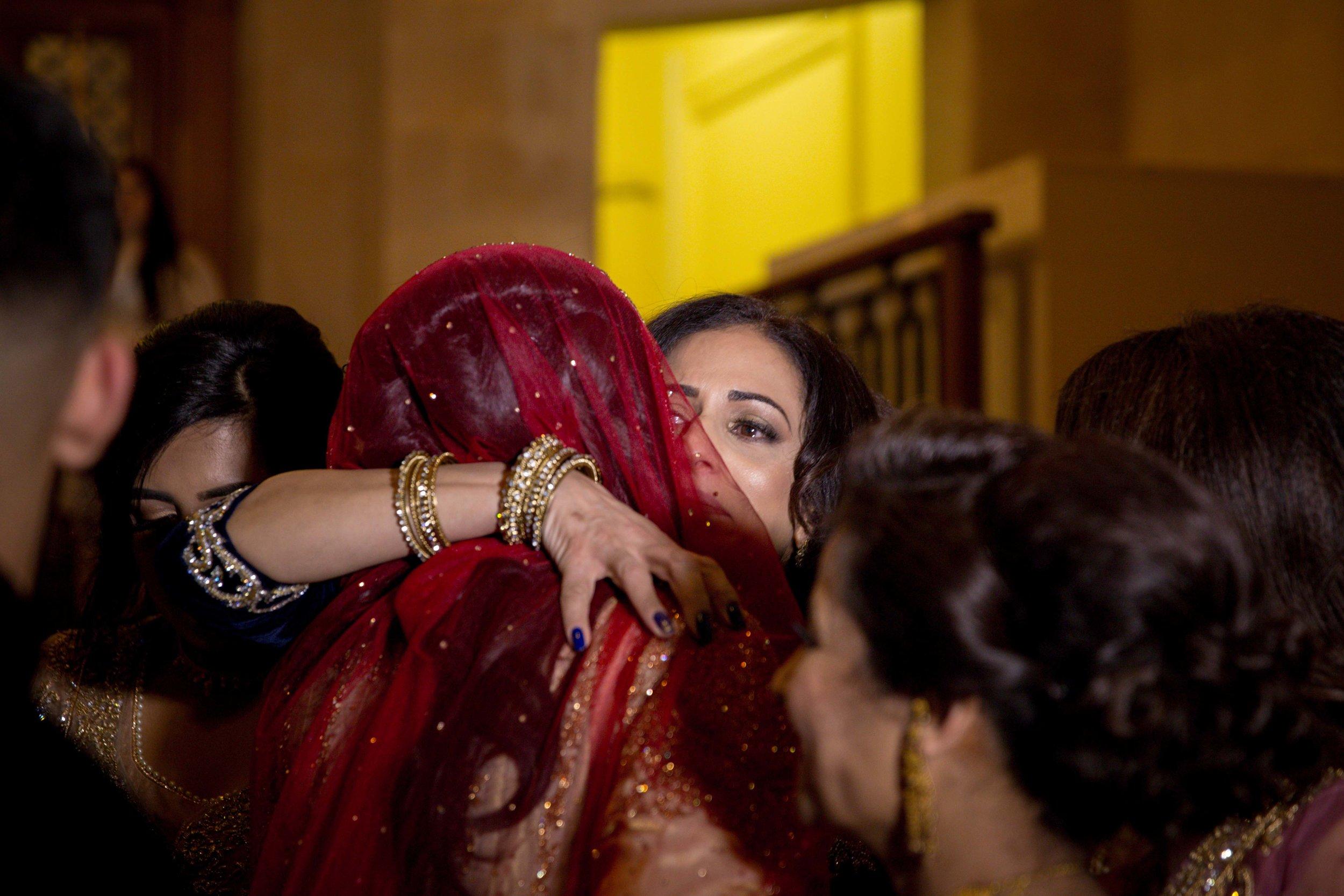 Female-asian-wedding-photographer-Cardiff-City-Hall-natalia-smith-photography-50.jpg