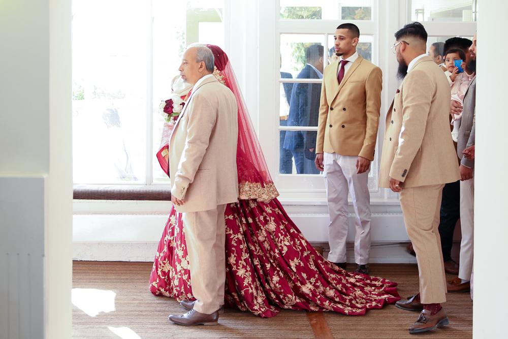 Female-asian-wedding-photographer-London-Ariana-Gardens-natalia-smith-photography-21.jpg