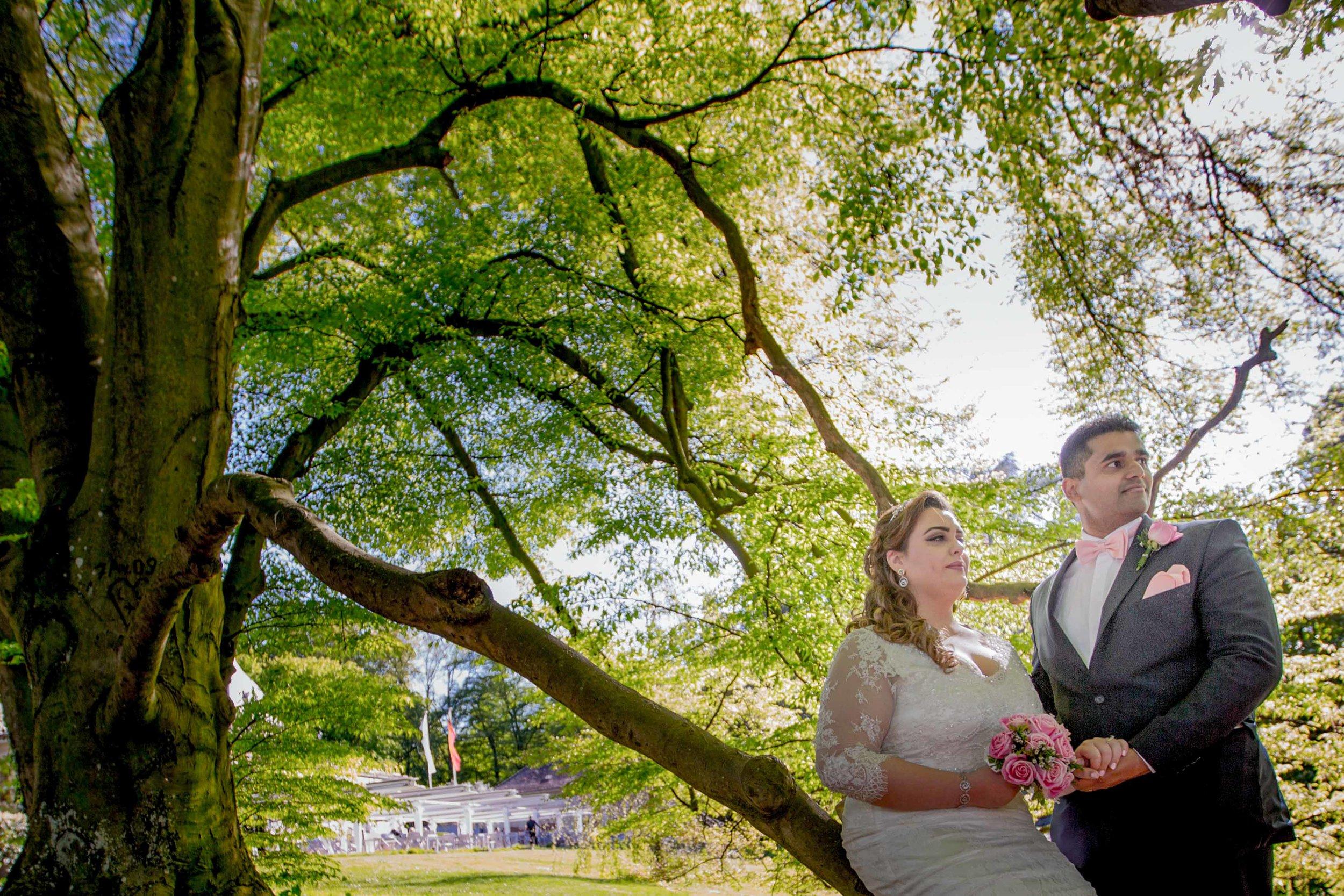 parc-des-eaux-vives-destination-wedding-photographer-geneva-switzerland-natalia-smith-photography-34.jpg