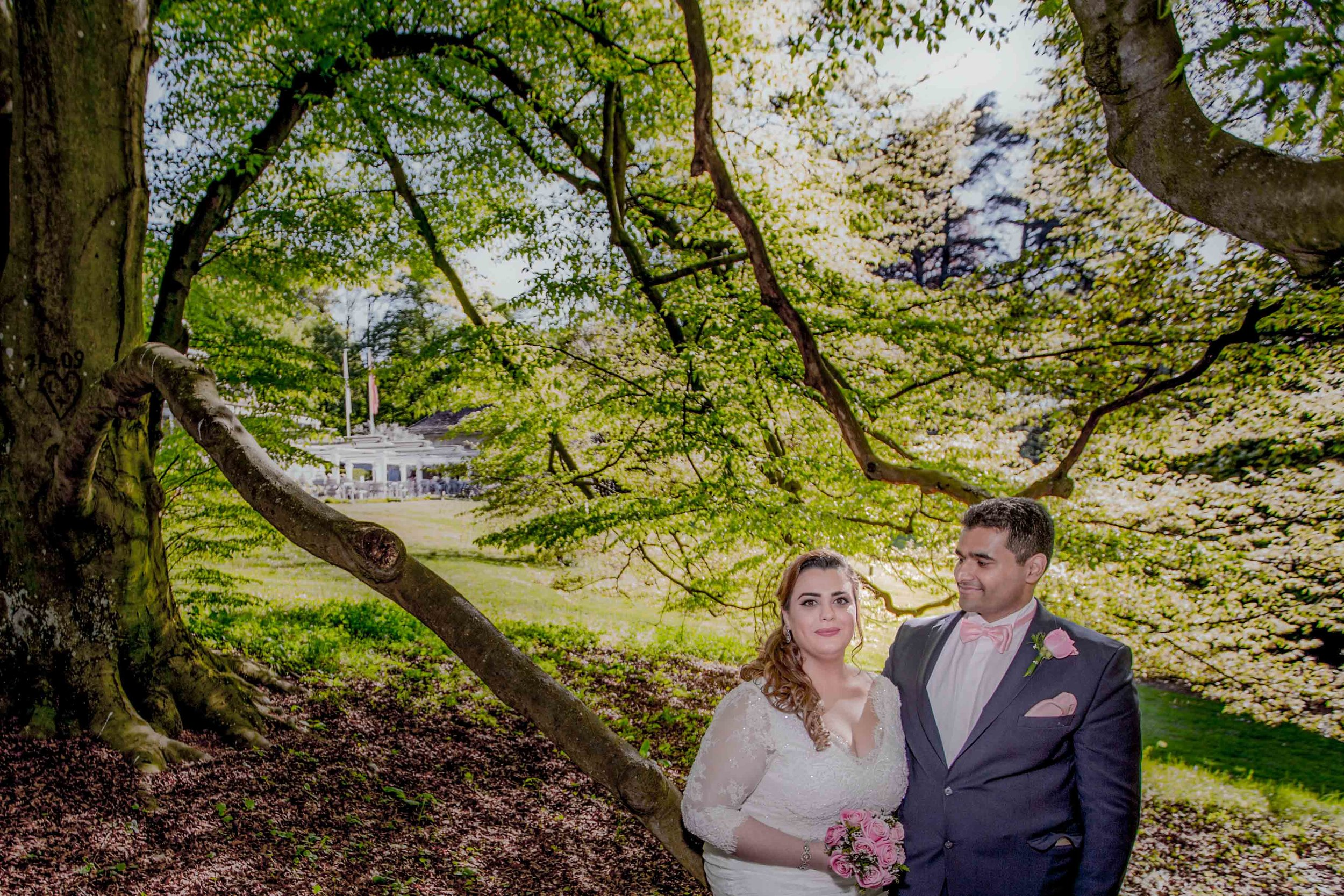 parc-des-eaux-vives-destination-wedding-photographer-geneva-switzerland-natalia-smith-photography-35.jpg