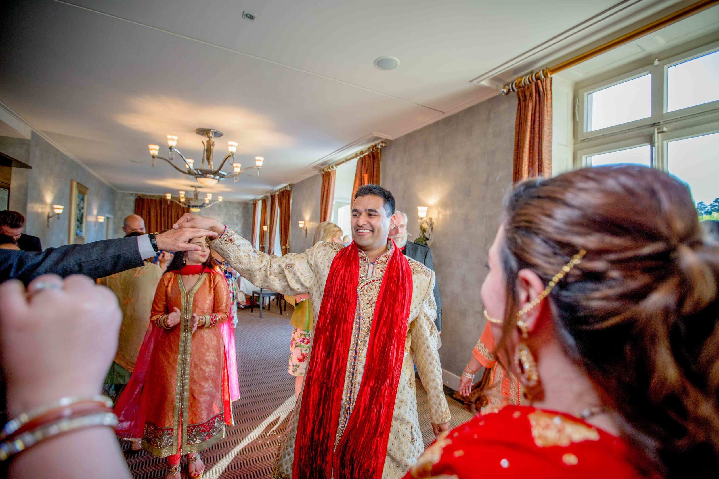 parc-des-eaux-vives-destination-wedding-photographer-geneva-switzerland-natalia-smith-photography-55.jpg