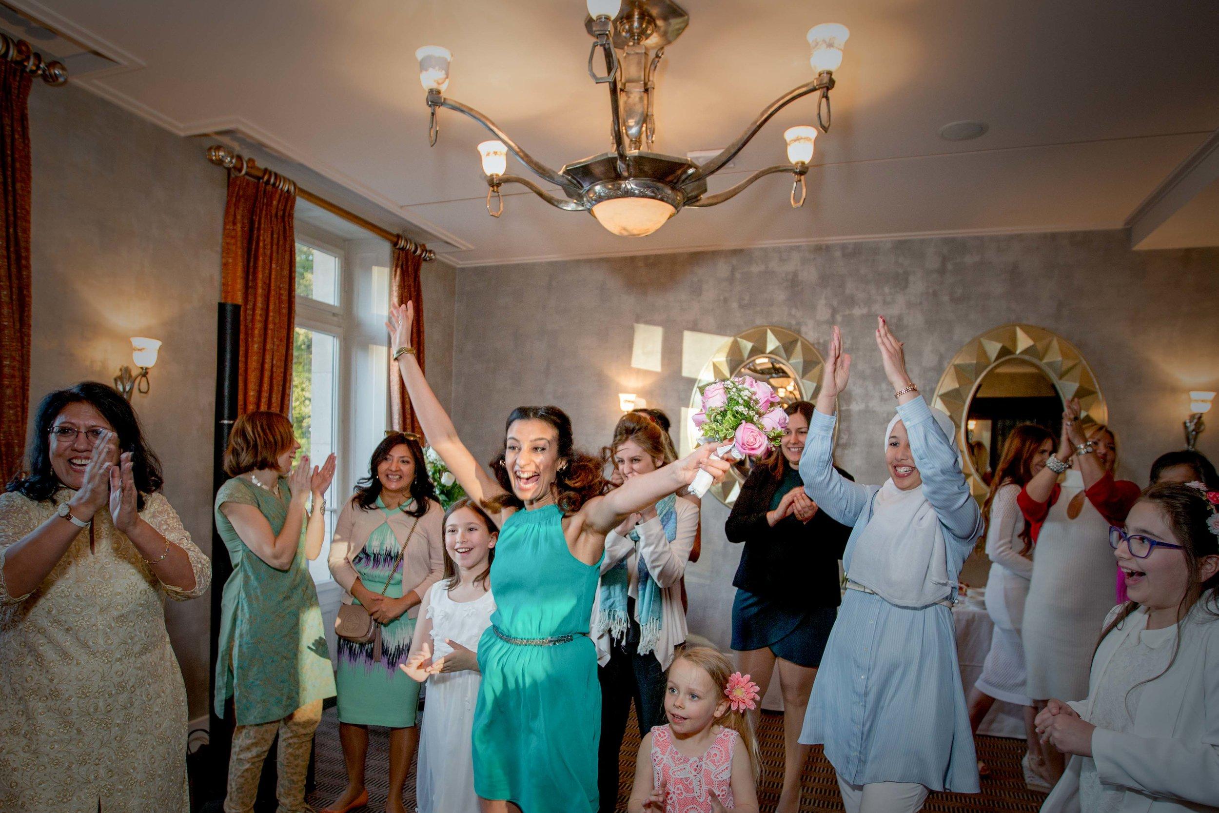 parc-des-eaux-vives-destination-wedding-photographer-geneva-switzerland-natalia-smith-photography-92.jpg