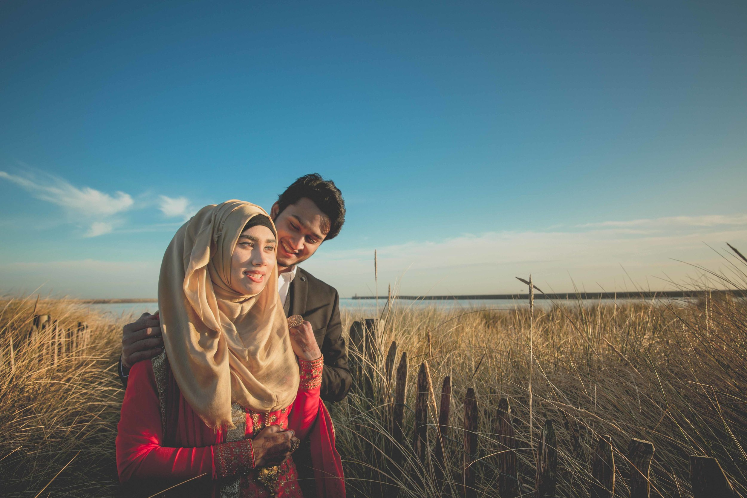 newcastle-beach-lighthouse-couple-prewedding-pre-wedding-shoot-asian-wedding-photographer-natalia-smith-photography-4.jpg