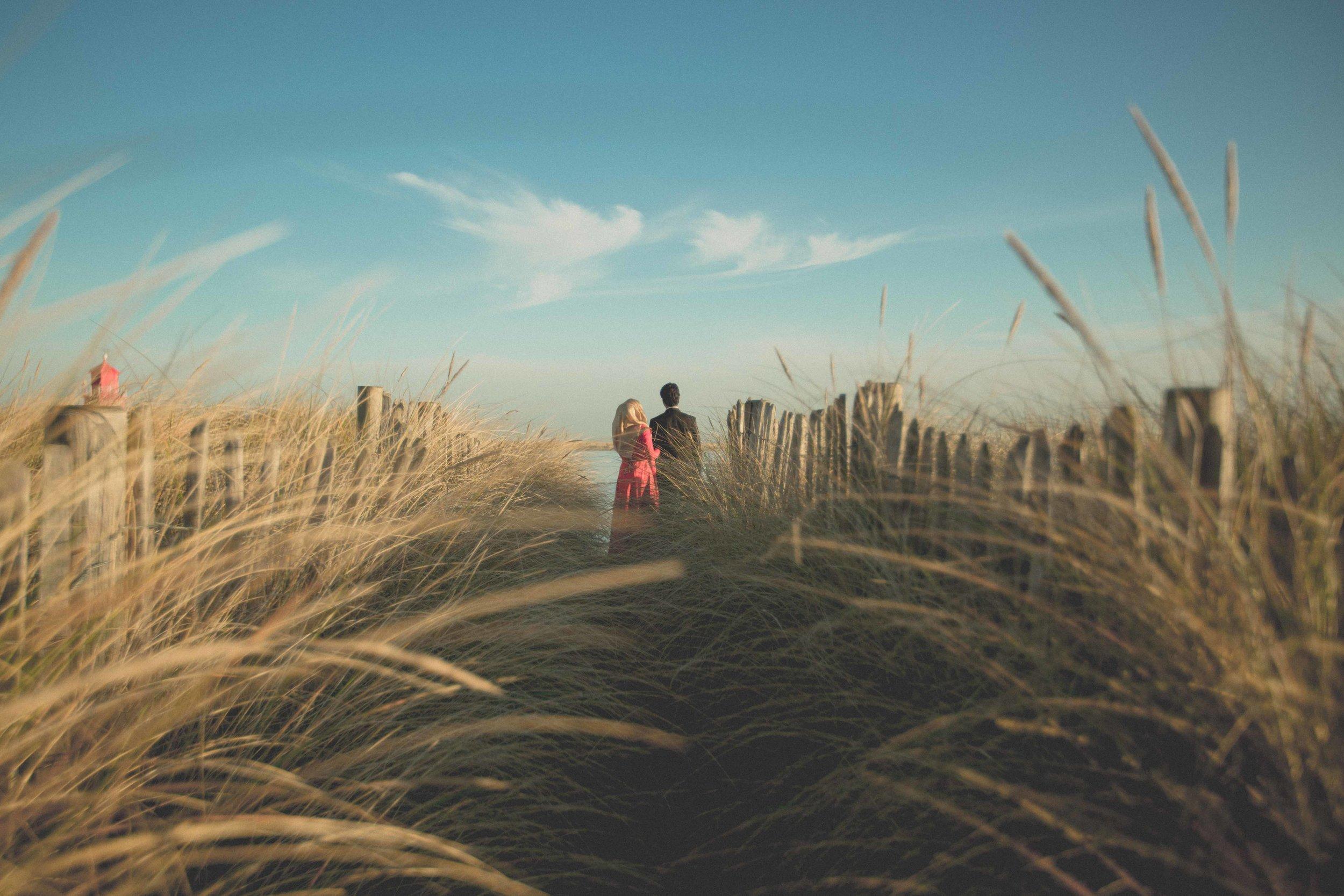 newcastle-beach-lighthouse-couple-prewedding-pre-wedding-shoot-asian-wedding-photographer-natalia-smith-photography-6.jpg