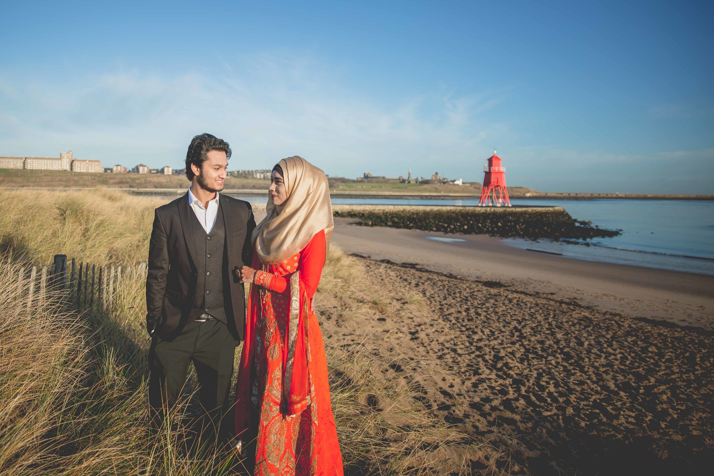 newcastle-beach-lighthouse-couple-prewedding-pre-wedding-shoot-asian-wedding-photographer-natalia-smith-photography-7.jpg