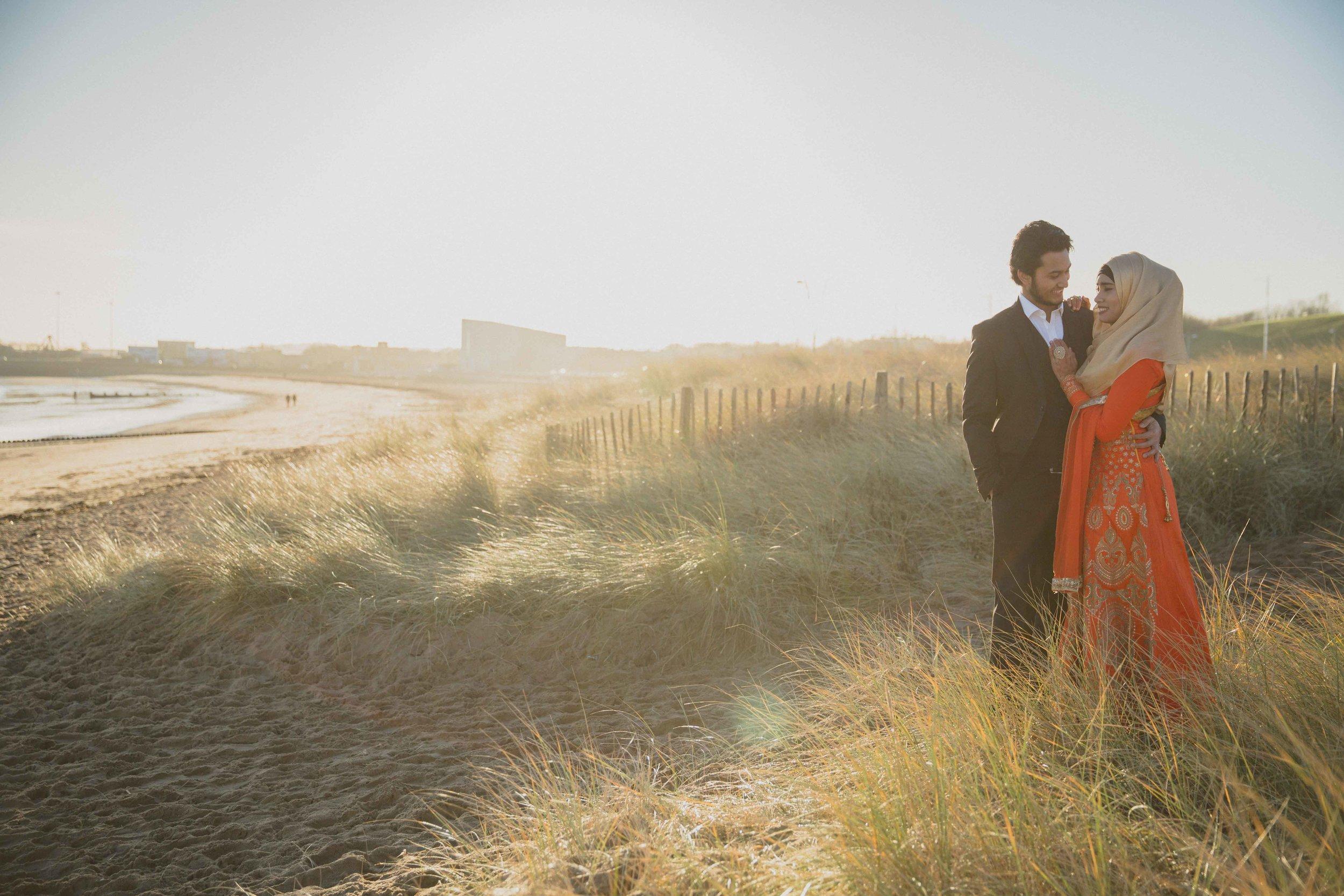 newcastle-beach-lighthouse-couple-prewedding-pre-wedding-shoot-asian-wedding-photographer-natalia-smith-photography-9.jpg