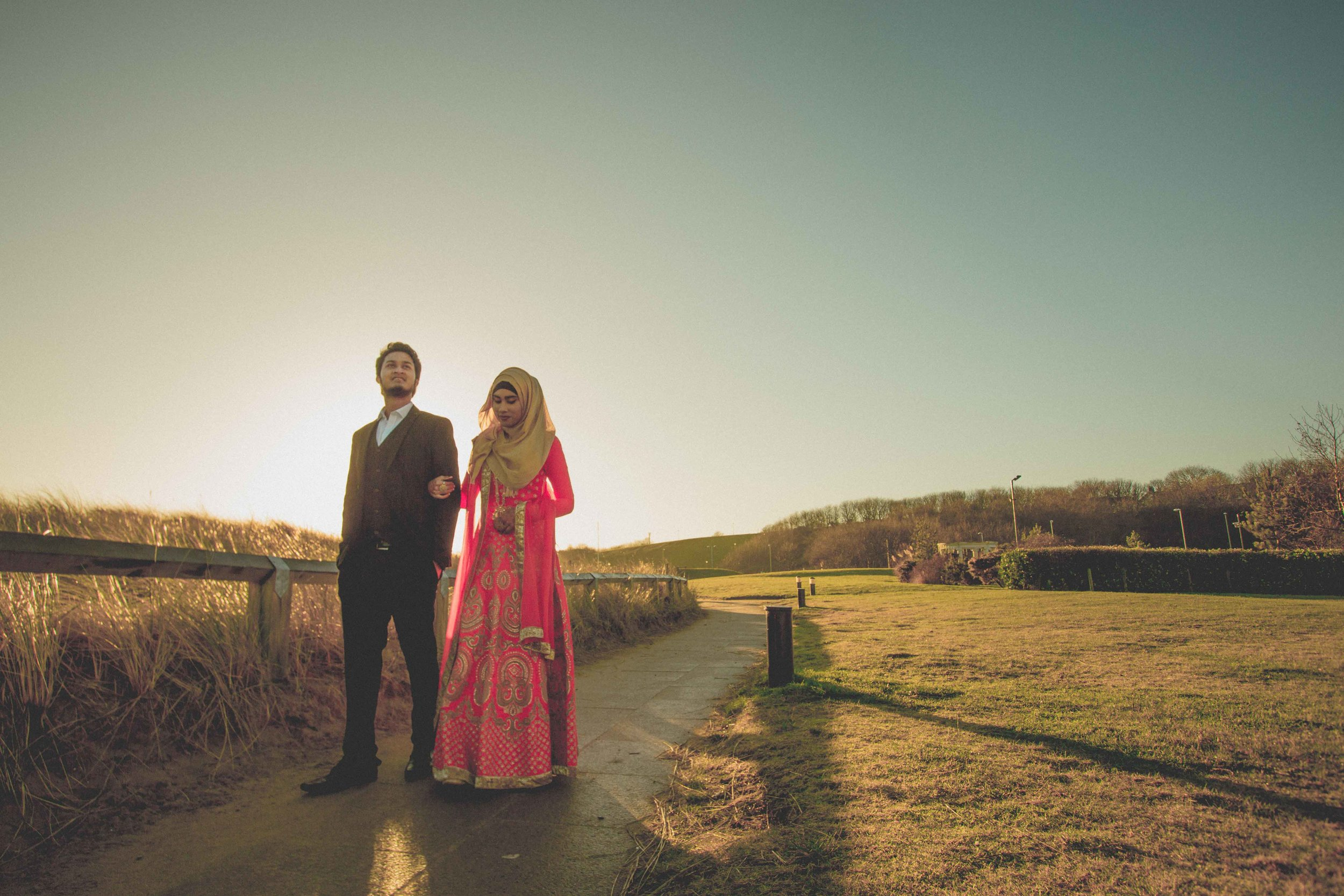 newcastle-beach-lighthouse-couple-prewedding-pre-wedding-shoot-asian-wedding-photographer-natalia-smith-photography-11.jpg