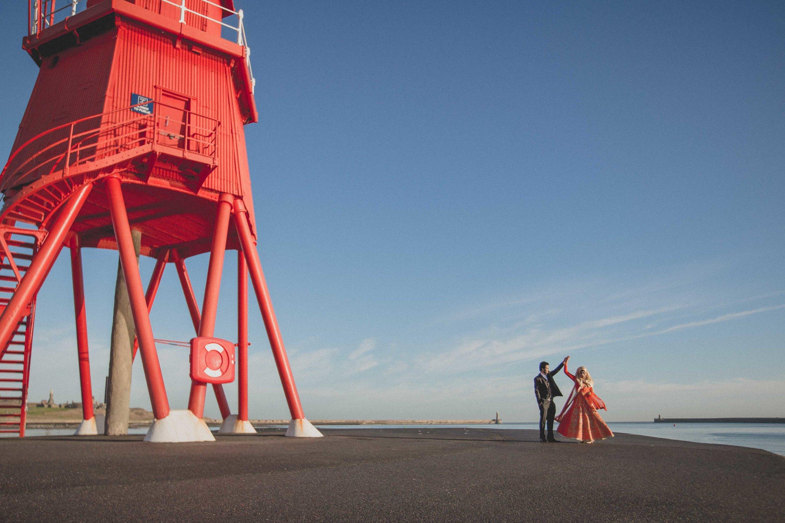 newcastle-beach-lighthouse-couple-prewedding-pre-wedding-shoot-asian-wedding-photographer-natalia-smith-photography-15.jpg