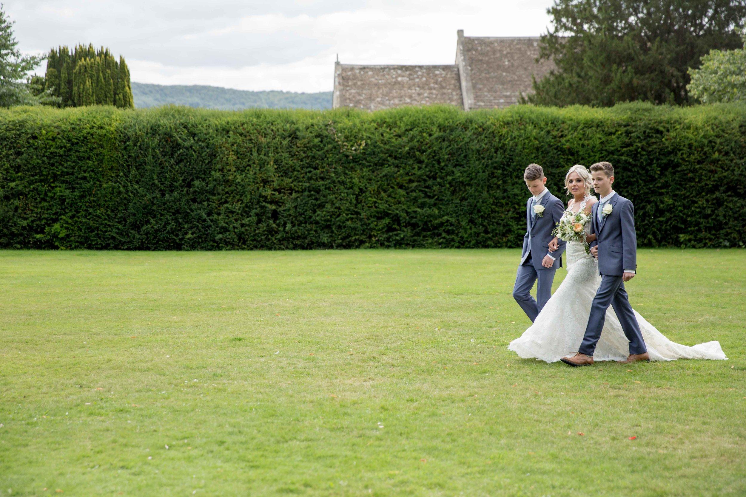 cotswold-wedding-photography-at-stonehouse-court-hotel-natalia-smith-photography-gloucestershire-wedding-photographer-10.jpg