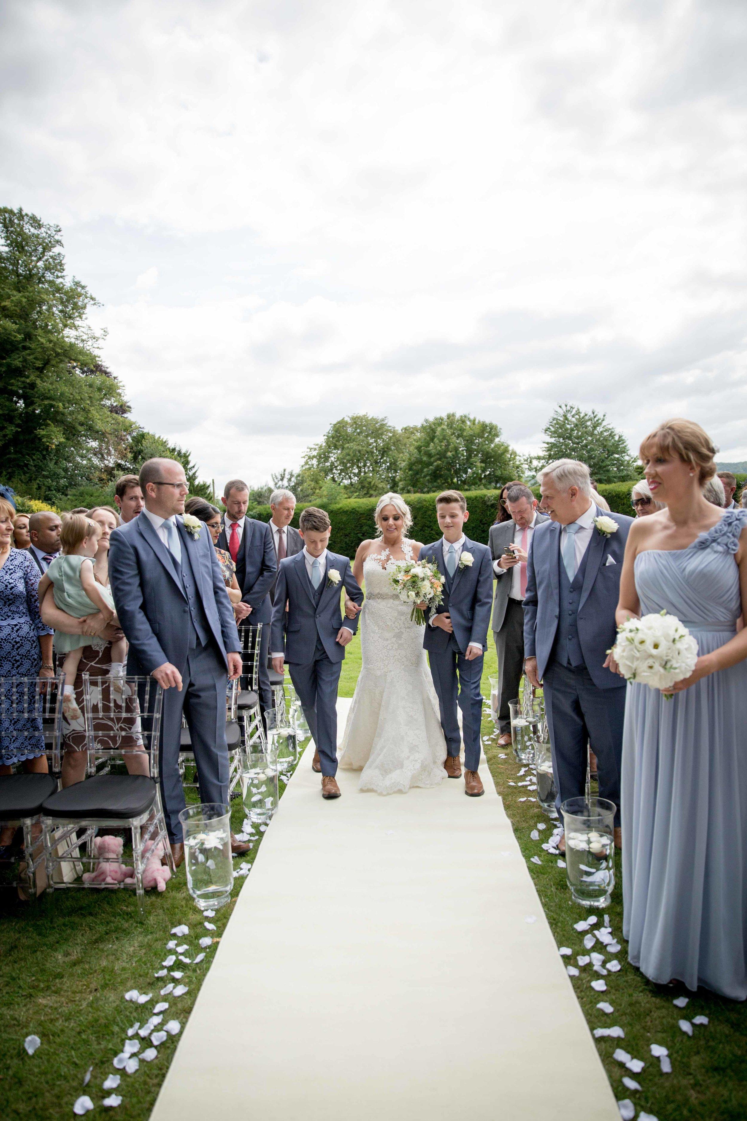 cotswold-wedding-photography-at-stonehouse-court-hotel-natalia-smith-photography-gloucestershire-wedding-photographer-14.jpg
