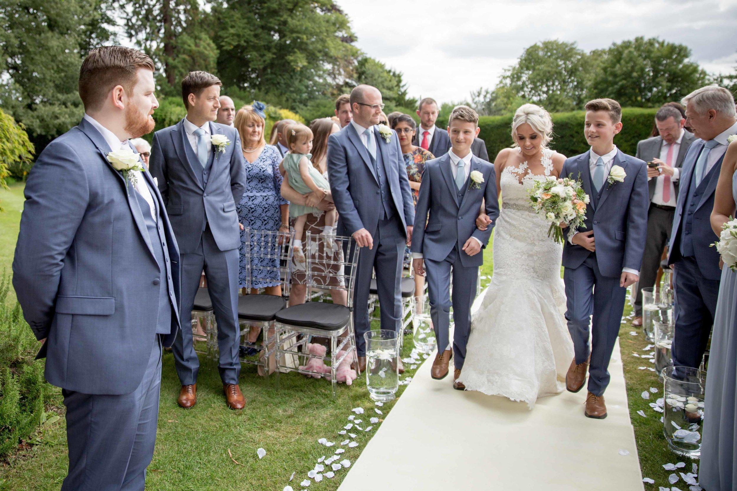cotswold-wedding-photography-at-stonehouse-court-hotel-natalia-smith-photography-gloucestershire-wedding-photographer-15.jpg