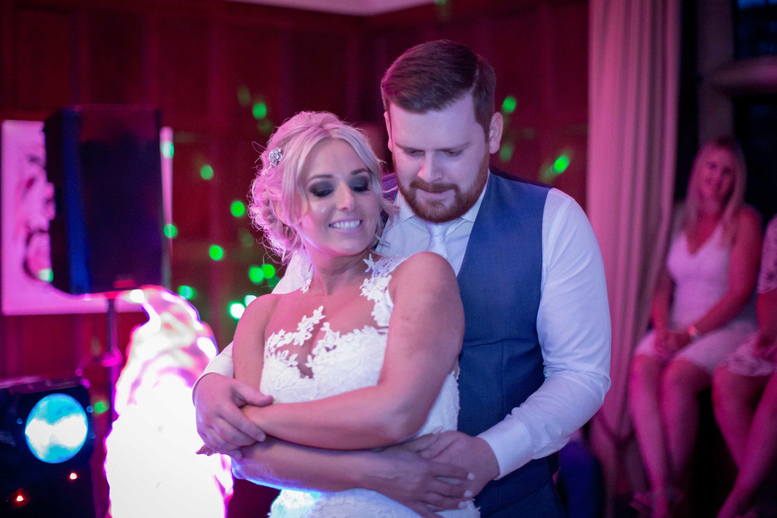 cotswold-wedding-photography-at-stonehouse-court-hotel-natalia-smith-photography-gloucestershire-wedding-photographer-89.jpg