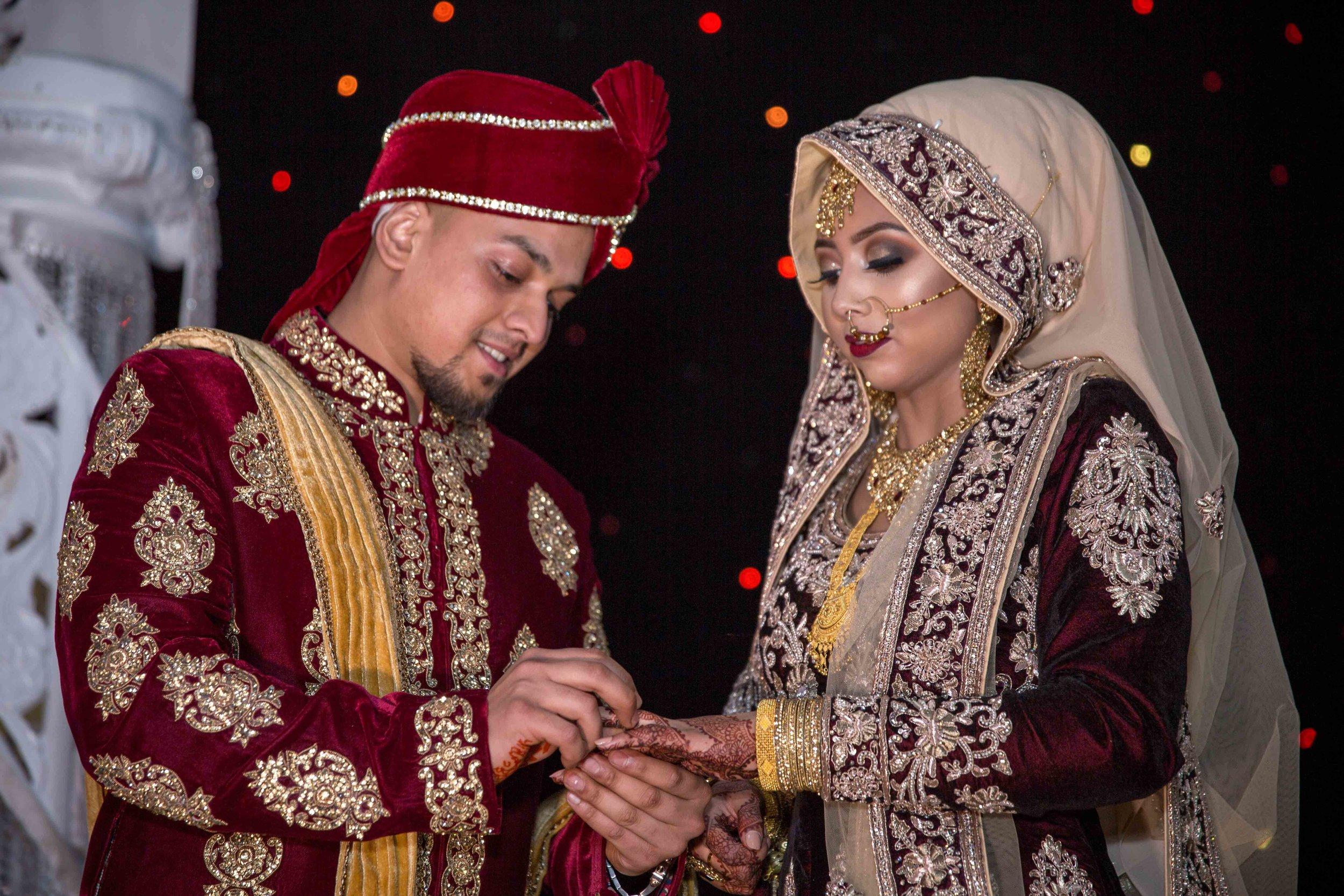 Female-Asian-Piccadilly-banqueting-suite-Wedding-Photographer-Birmingham-natalia-smith-photography-27.jpg