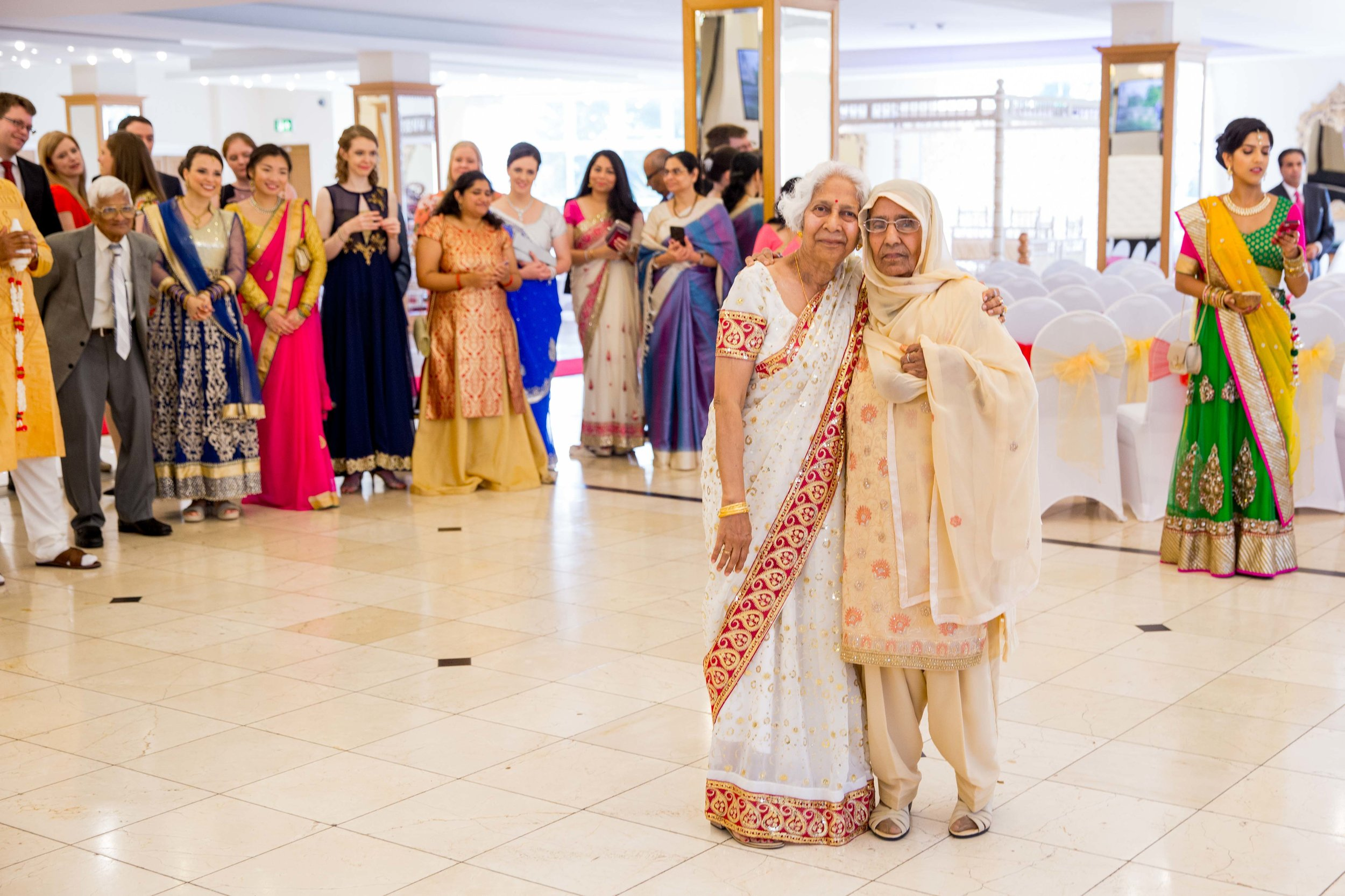 ramada-park-hall-hotel-birmingham-wolverhampton-hindu-wedding-asian-wedding-photography-natalia-smith-photography-15.jpg