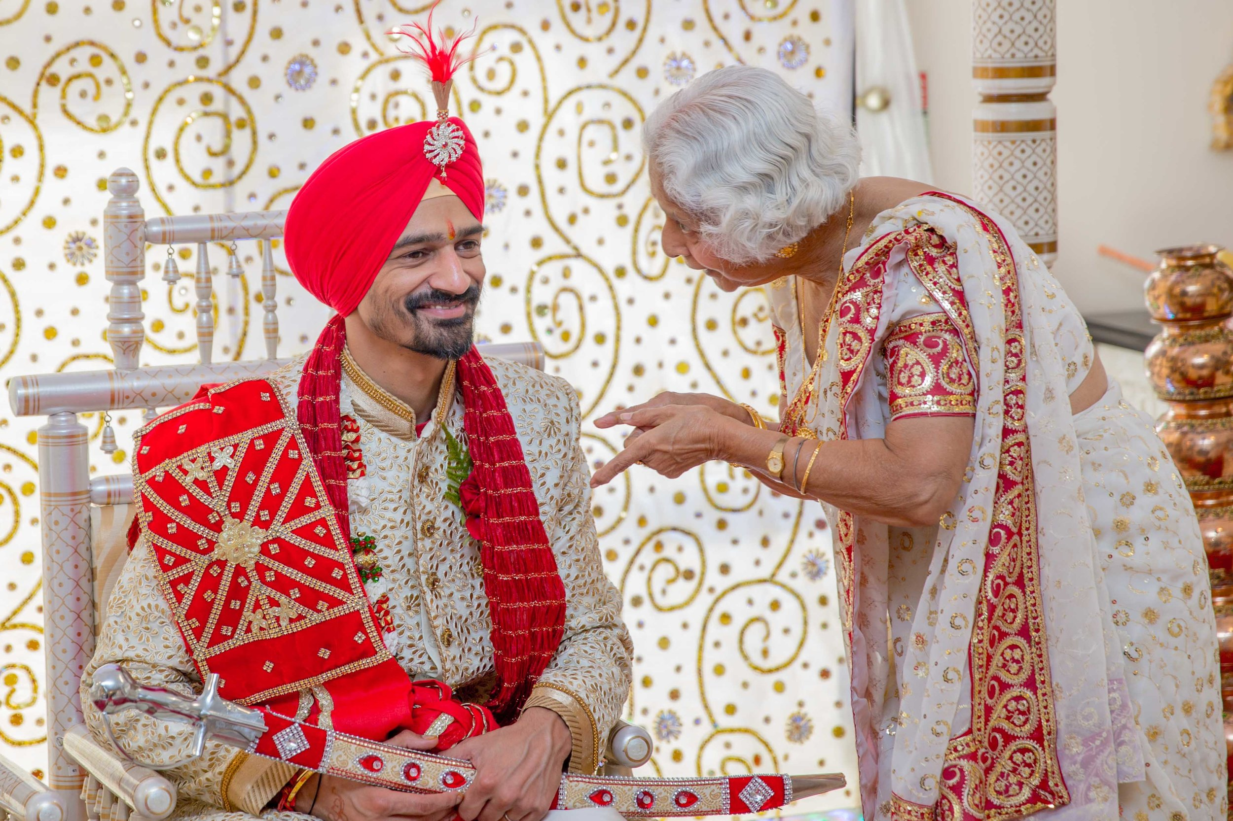 ramada-park-hall-hotel-birmingham-wolverhampton-hindu-wedding-asian-wedding-photography-natalia-smith-photography-19.jpg