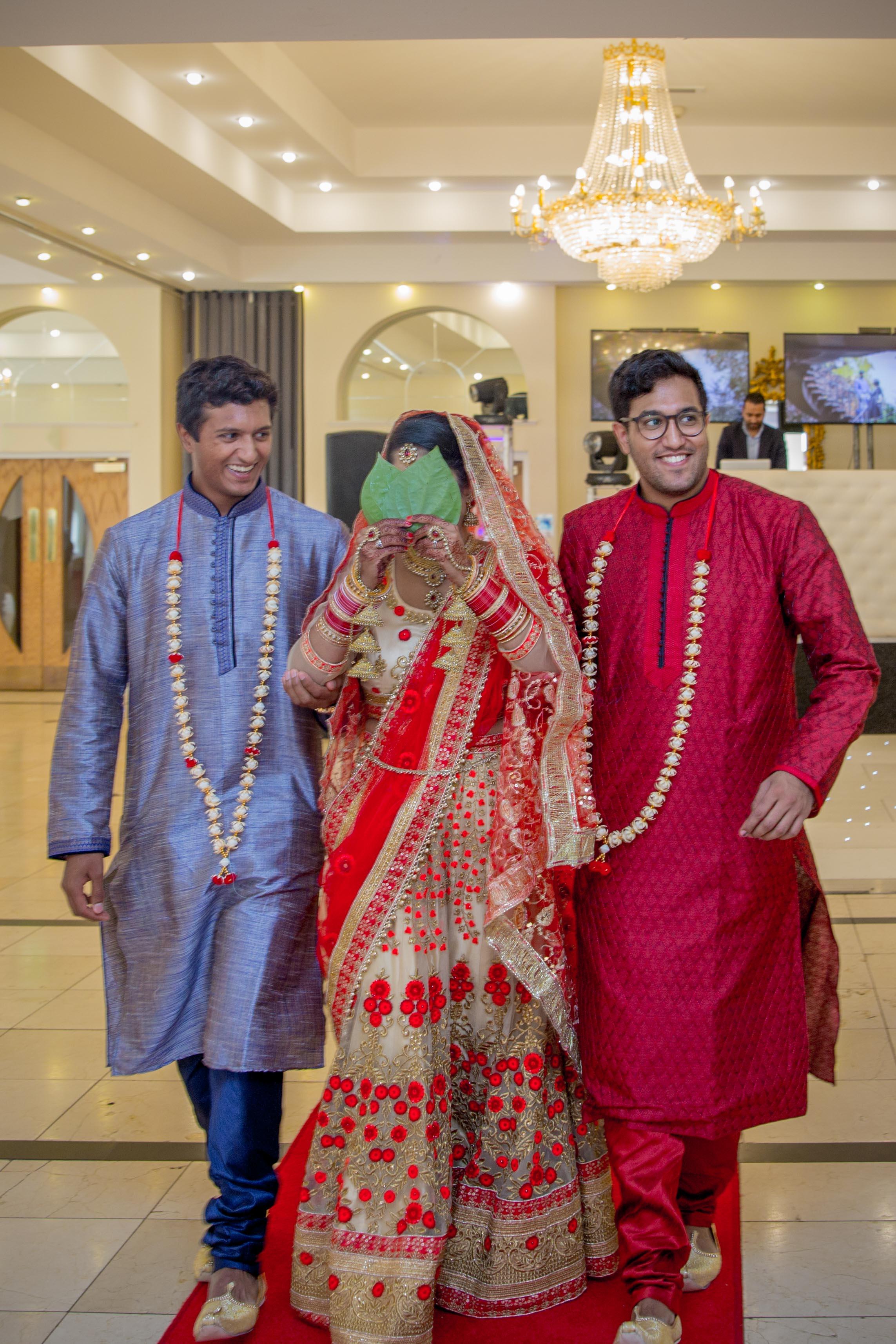 ramada-park-hall-hotel-birmingham-wolverhampton-hindu-wedding-asian-wedding-photography-natalia-smith-photography-20.jpg