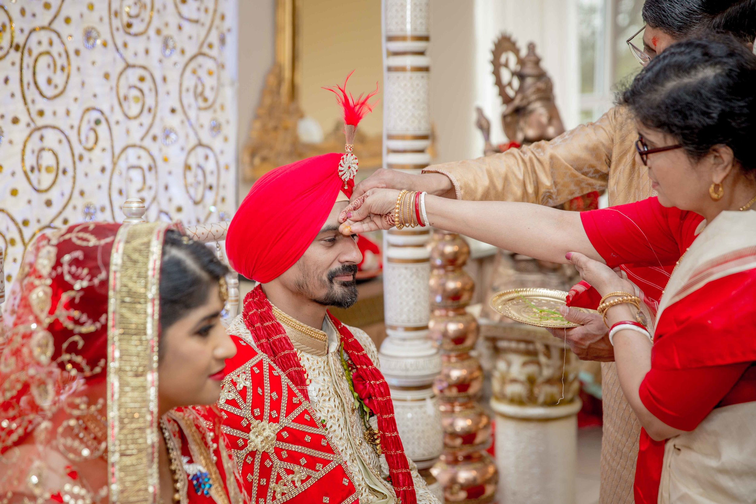 ramada-park-hall-hotel-birmingham-wolverhampton-hindu-wedding-asian-wedding-photography-natalia-smith-photography-22.jpg
