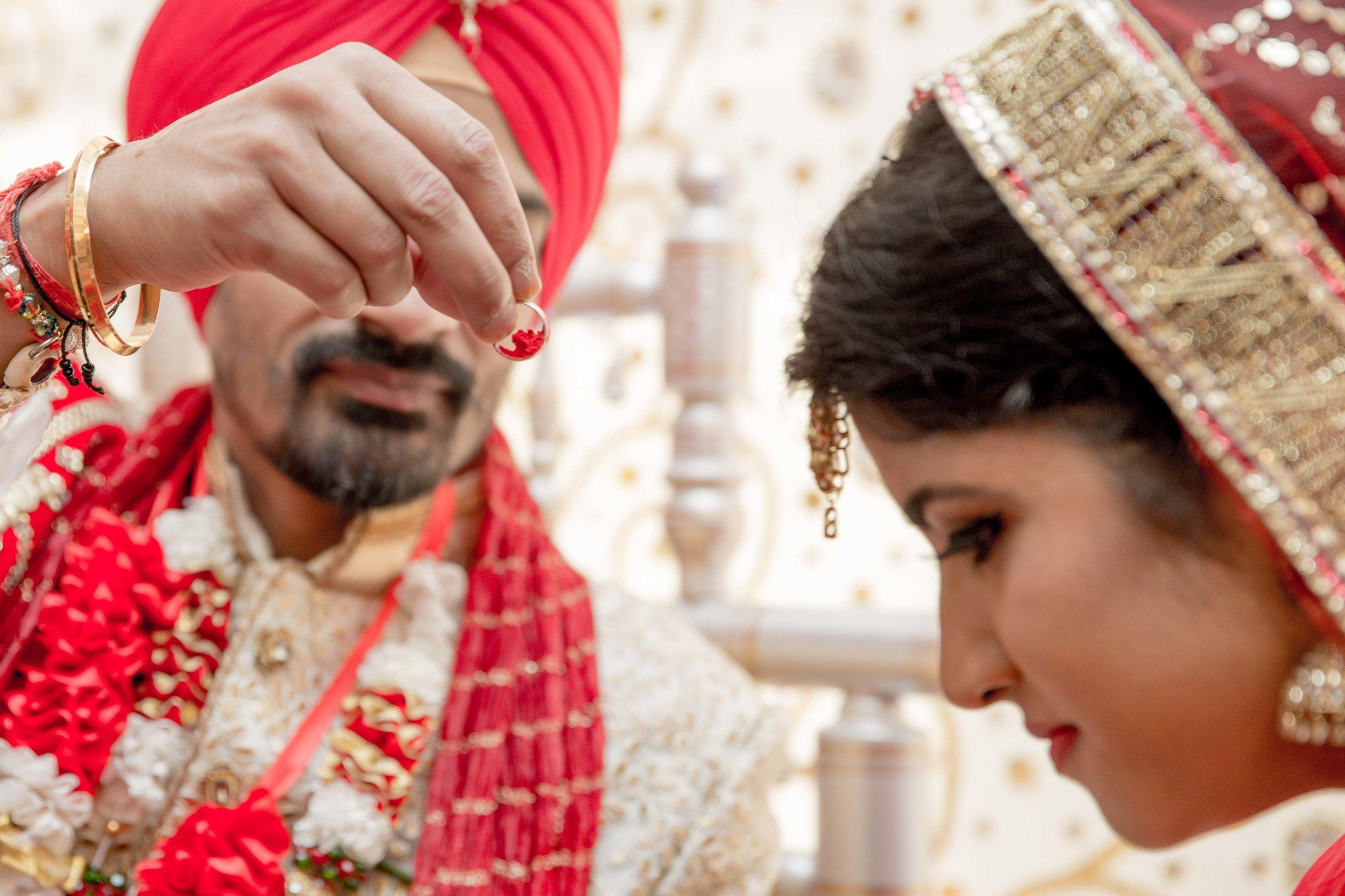 ramada-park-hall-hotel-birmingham-wolverhampton-hindu-wedding-asian-wedding-photography-natalia-smith-photography-26.jpg