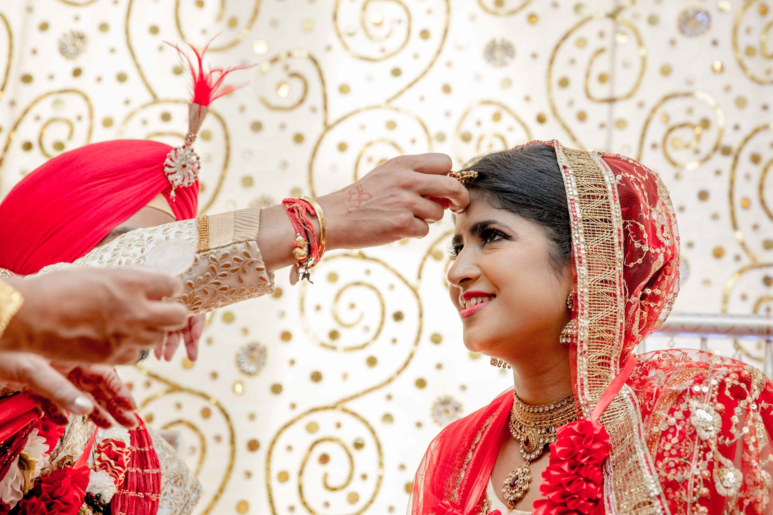 ramada-park-hall-hotel-birmingham-wolverhampton-hindu-wedding-asian-wedding-photography-natalia-smith-photography-27.jpg