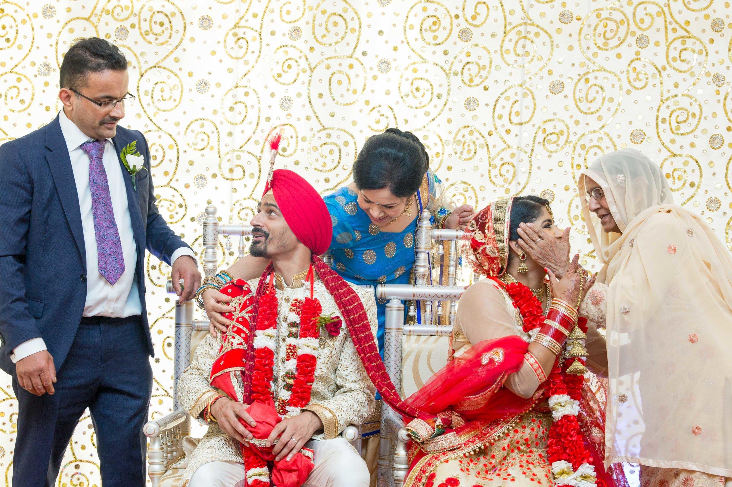 ramada-park-hall-hotel-birmingham-wolverhampton-hindu-wedding-asian-wedding-photography-natalia-smith-photography-29.jpg