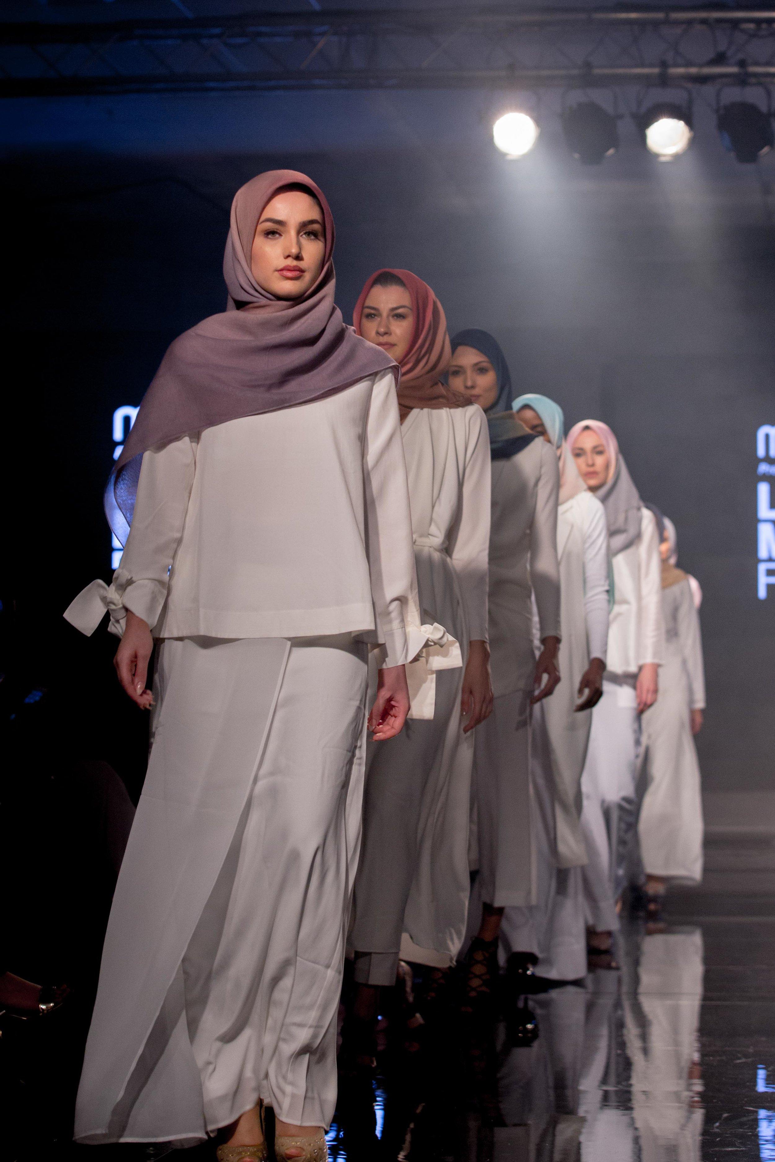 Aidijuma-London-Modest-Fashion-Week-catwalk-photographer-natalia-smith-photography-3.jpg