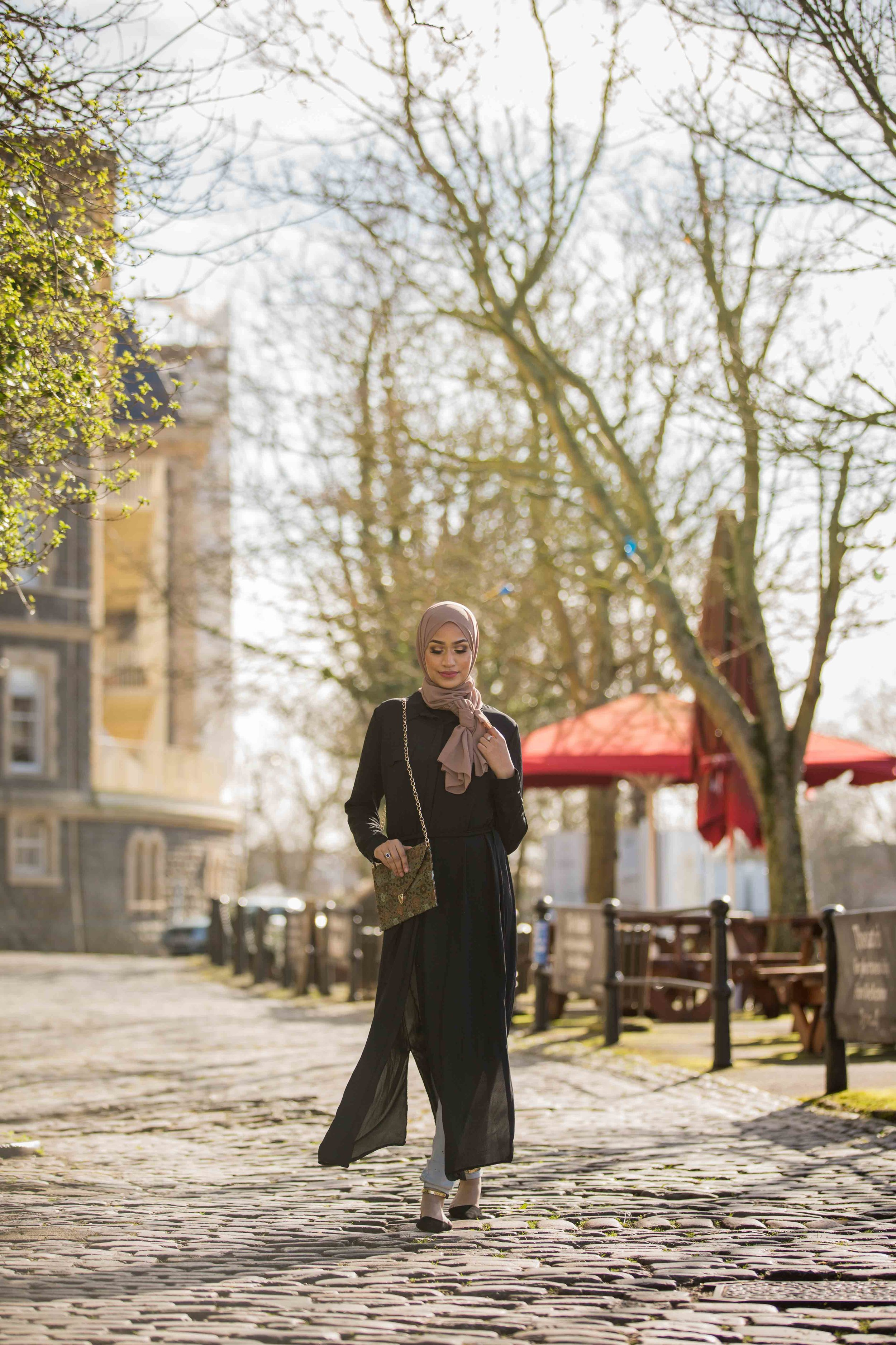 modest-street-aisha-rahman-fashion-photography-london-bristol-natalia-smith-photography-abaya-9.jpg