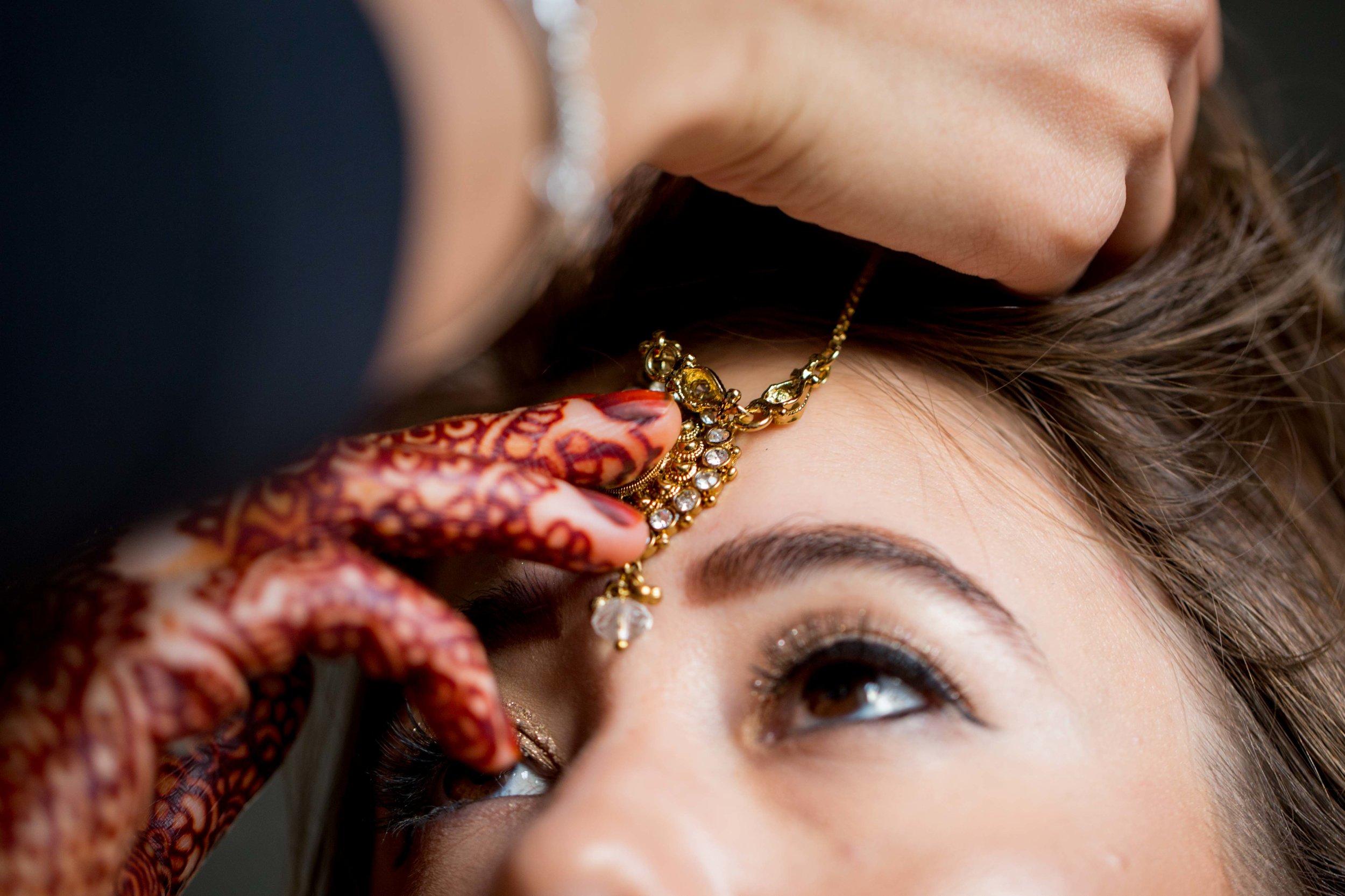 asian-Hindu-wedding-photographer-london-natalia-smith-photography-bride-tikka-15.jpg