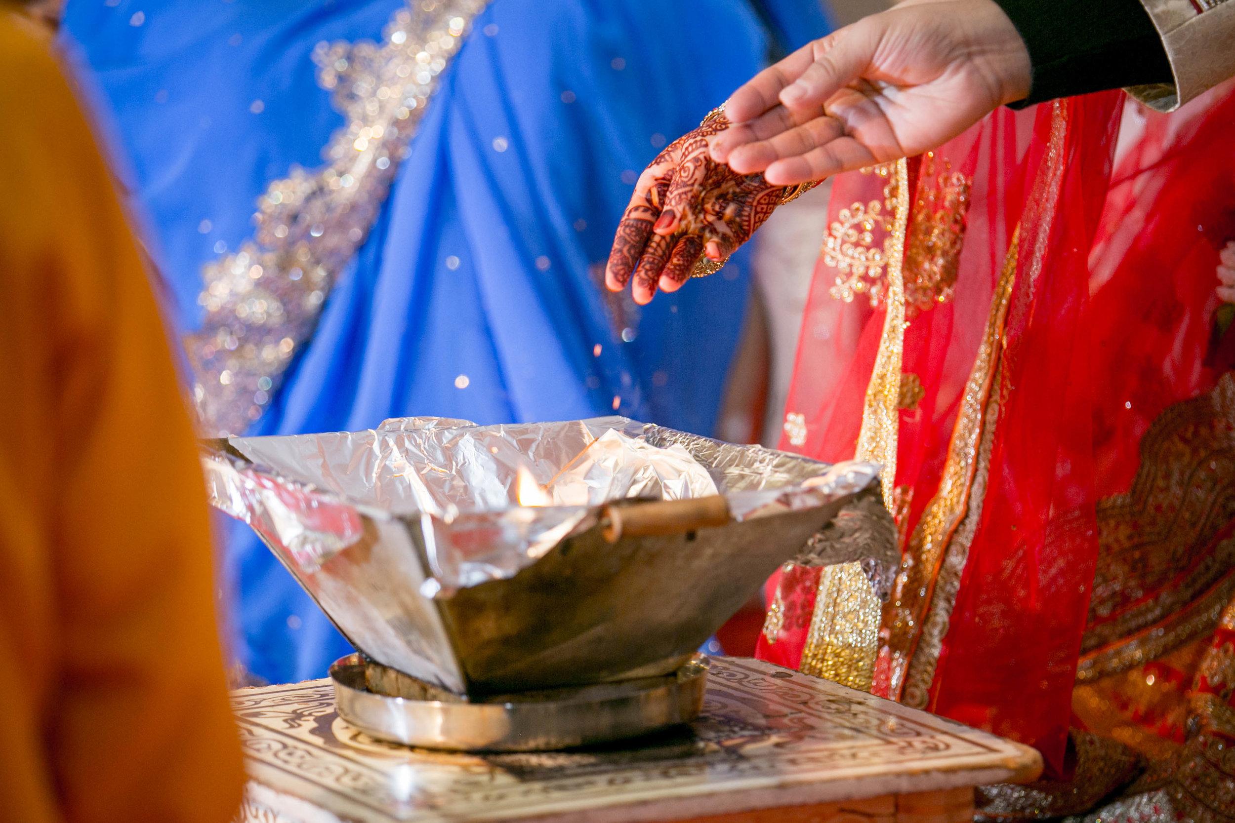 asian-Hindu-wedding-photographer-london-natalia-smith-photography-42.jpg