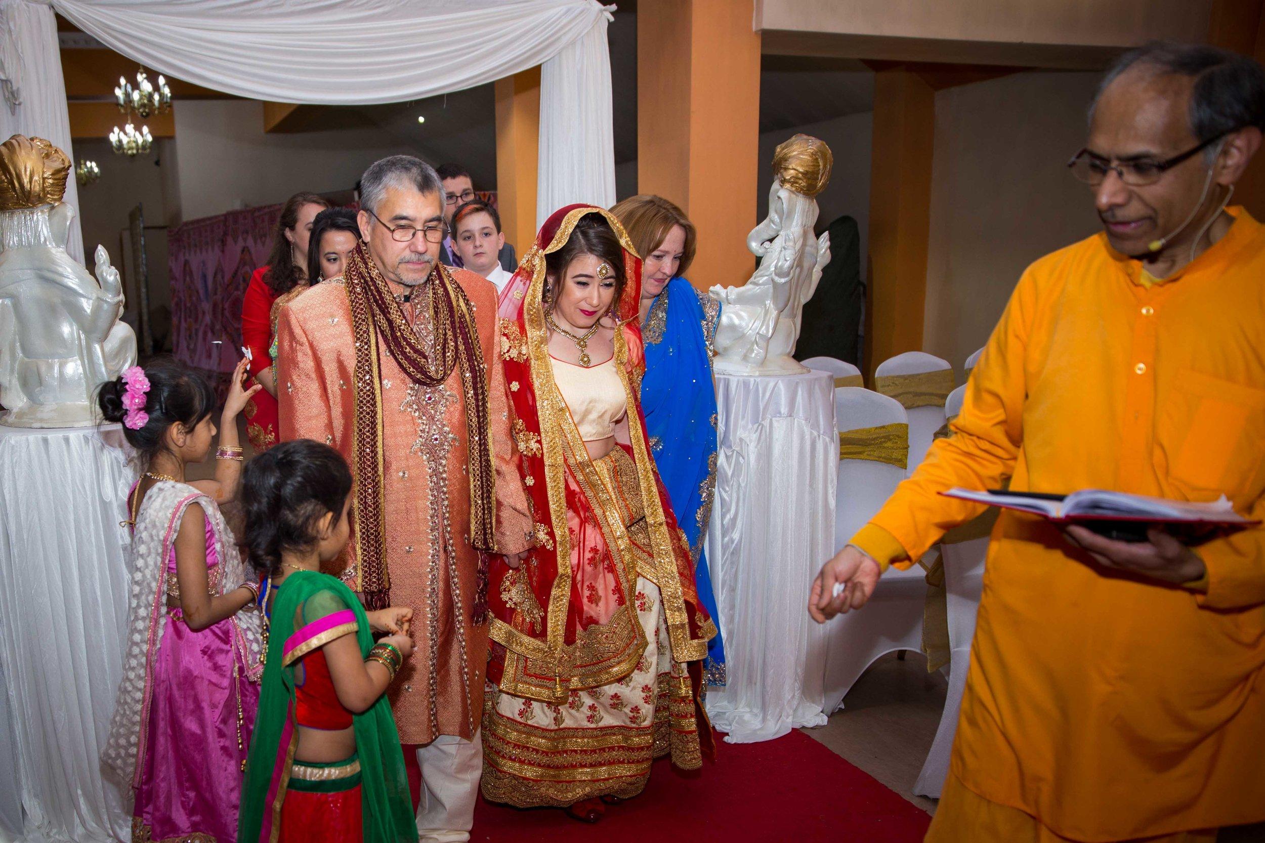 asian-Hindu-wedding-photographer-birmingham-abbey-park-leicester-natalia-smith-photography-30.jpg