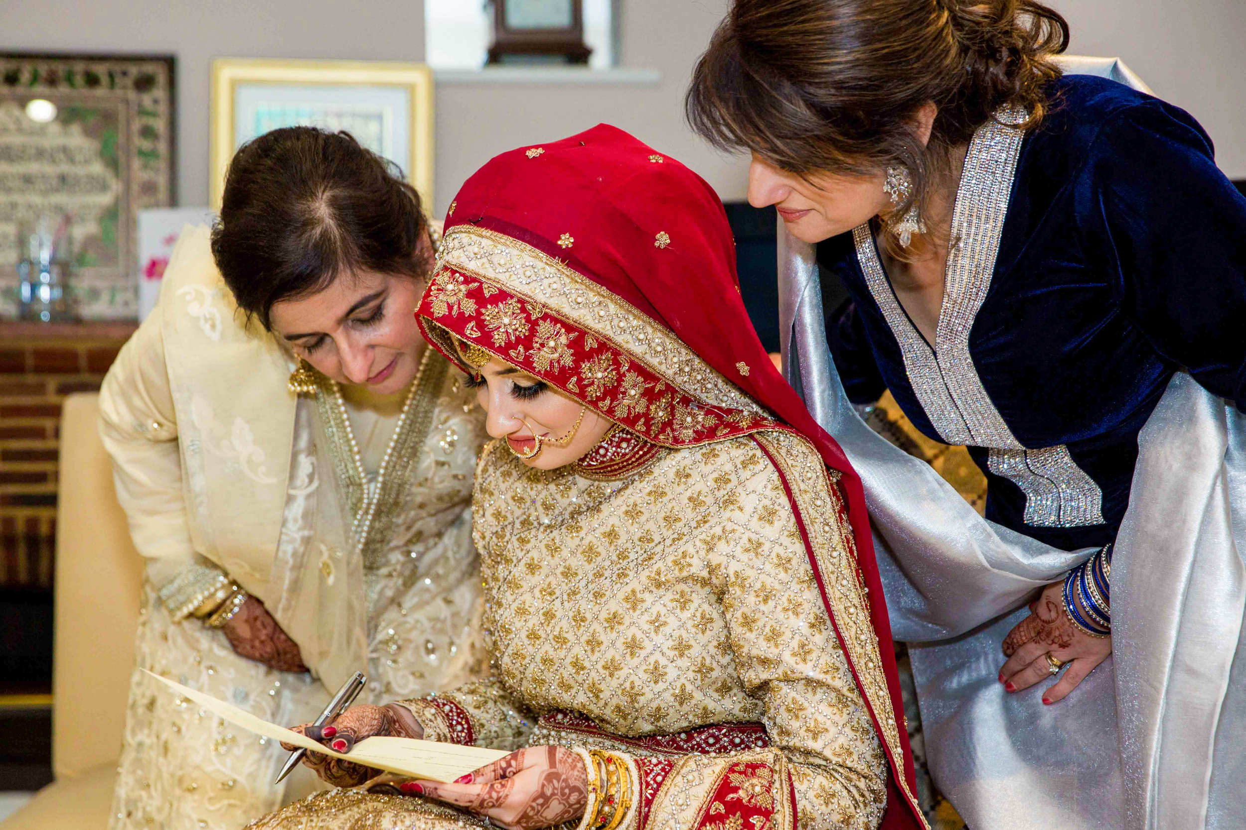 Macdonald-Berystede-Hotel-wedding-female-asian-wedding-photographer-london-natalia-smith-photography-60-2.jpg