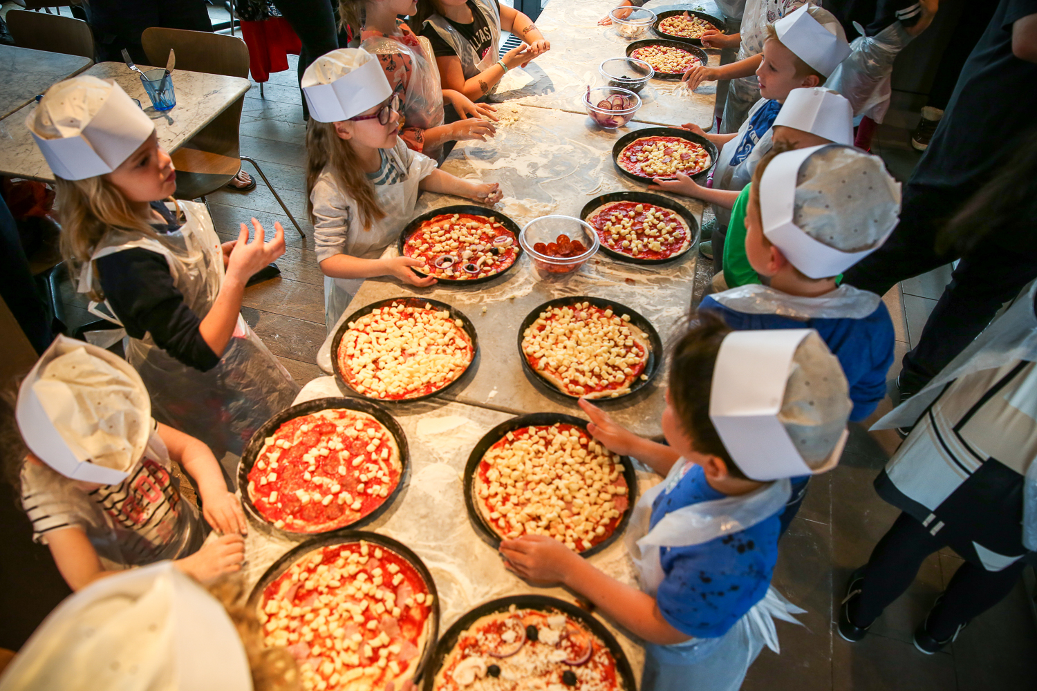 Pizza-Express-Kids-indoor-Birthday-Party-family-photographer-South-Wales-Natalia-Smith-Photography-0011.jpg