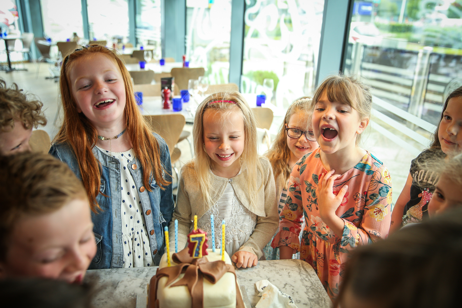 Pizza-Express-Kids-indoor-Birthday-Party-family-photographer-South-Wales-Natalia-Smith-Photography-0018.jpg