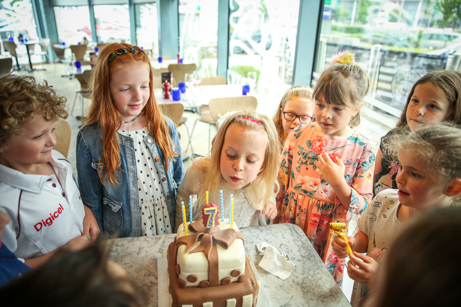 Pizza-Express-Kids-indoor-Birthday-Party-family-photographer-South-Wales-Natalia-Smith-Photography-0017.jpg