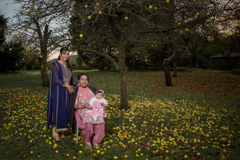 holiday-inn-filton-Birthday-family-photographer-Bristol-Natalia-Smith-Photography-0025.jpg