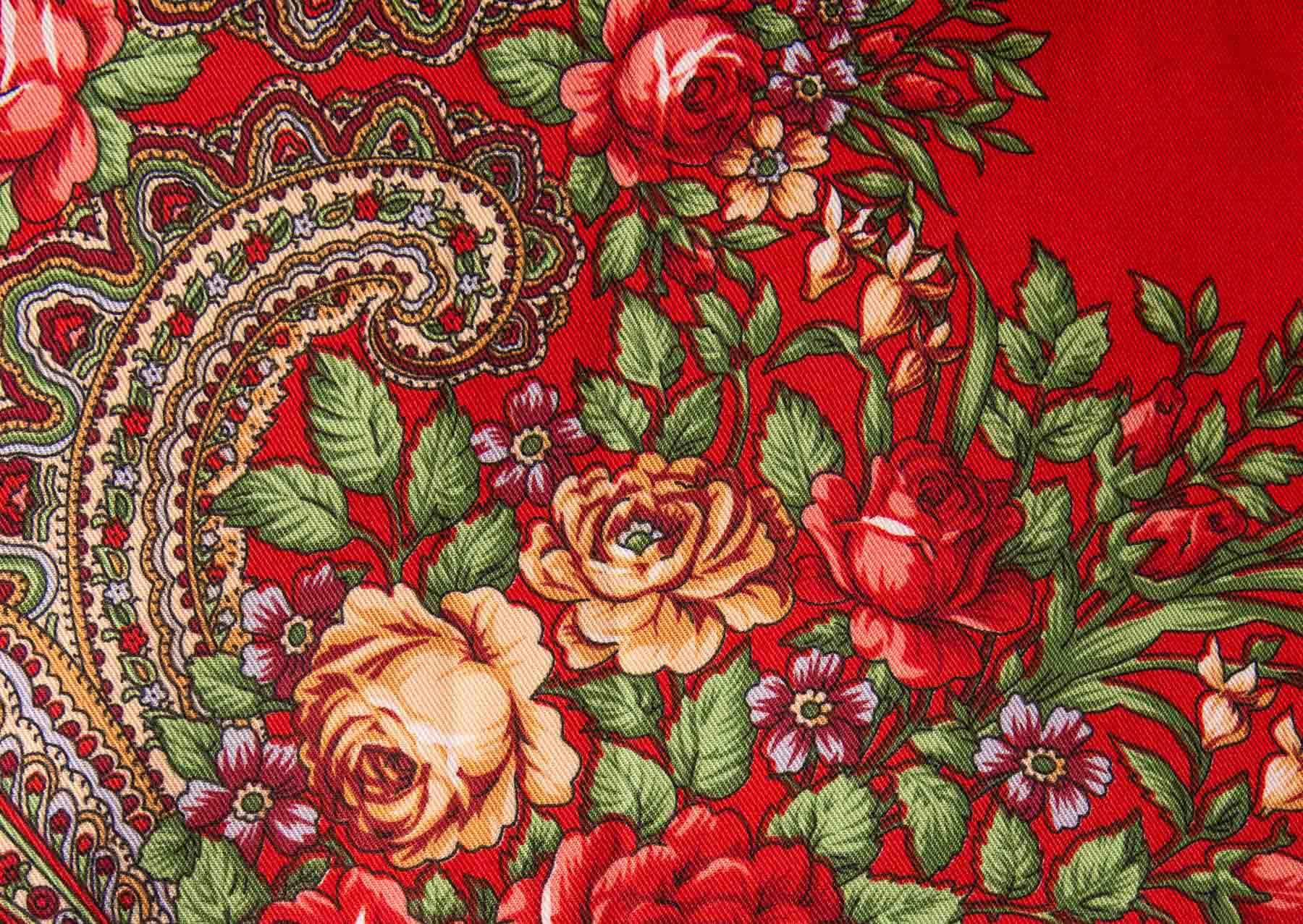 Russian-style-fashion-photographer-london-floral-Русский-стиль-мода-павловопосадский-платок-natalia-smith-photography-0001.jpg