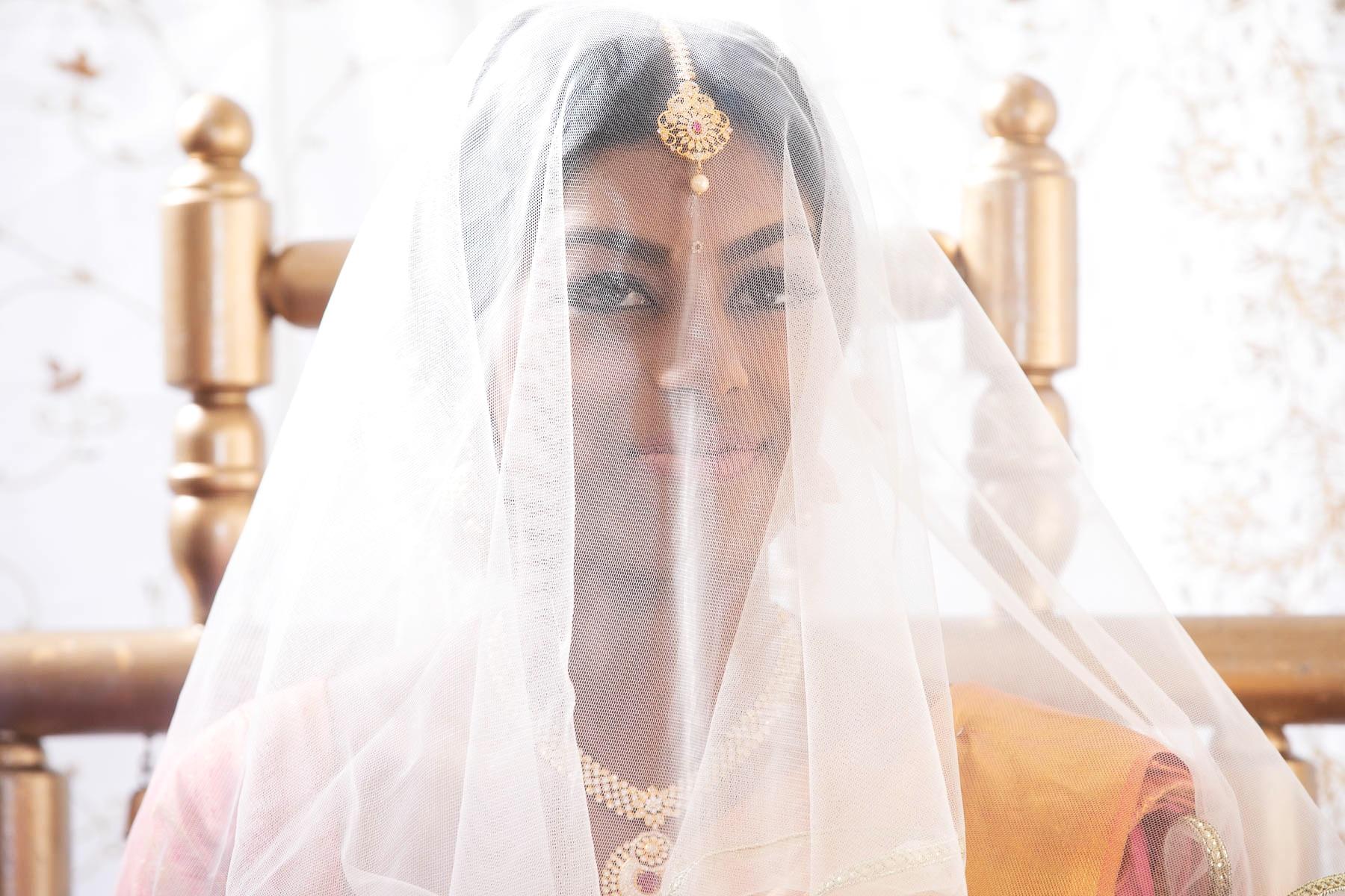 Addington-Palace-Tamil-wedding-photographer-surrey-london-natalia-smith-photography-0009.jpg