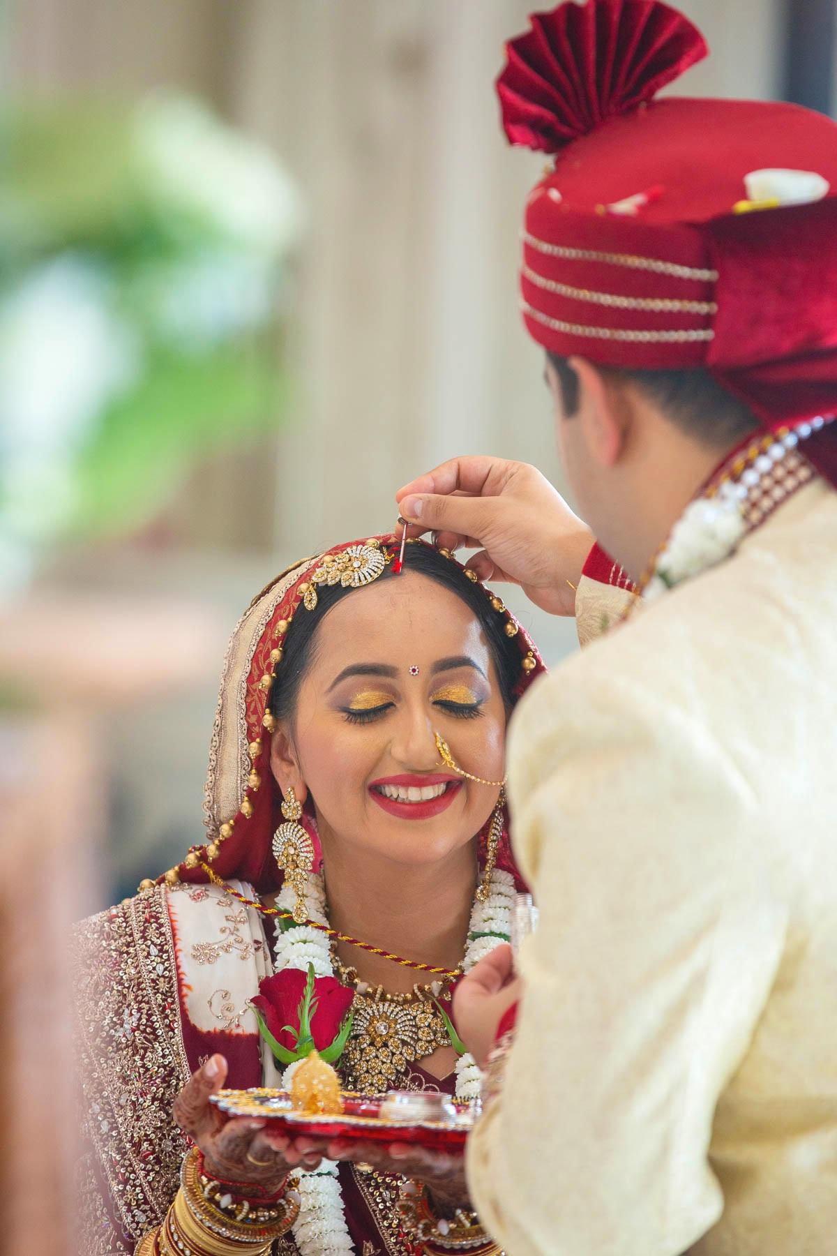 Hindu-wedding-photography-london-stoke-nayland-golf-spa-hotel-0027.jpg