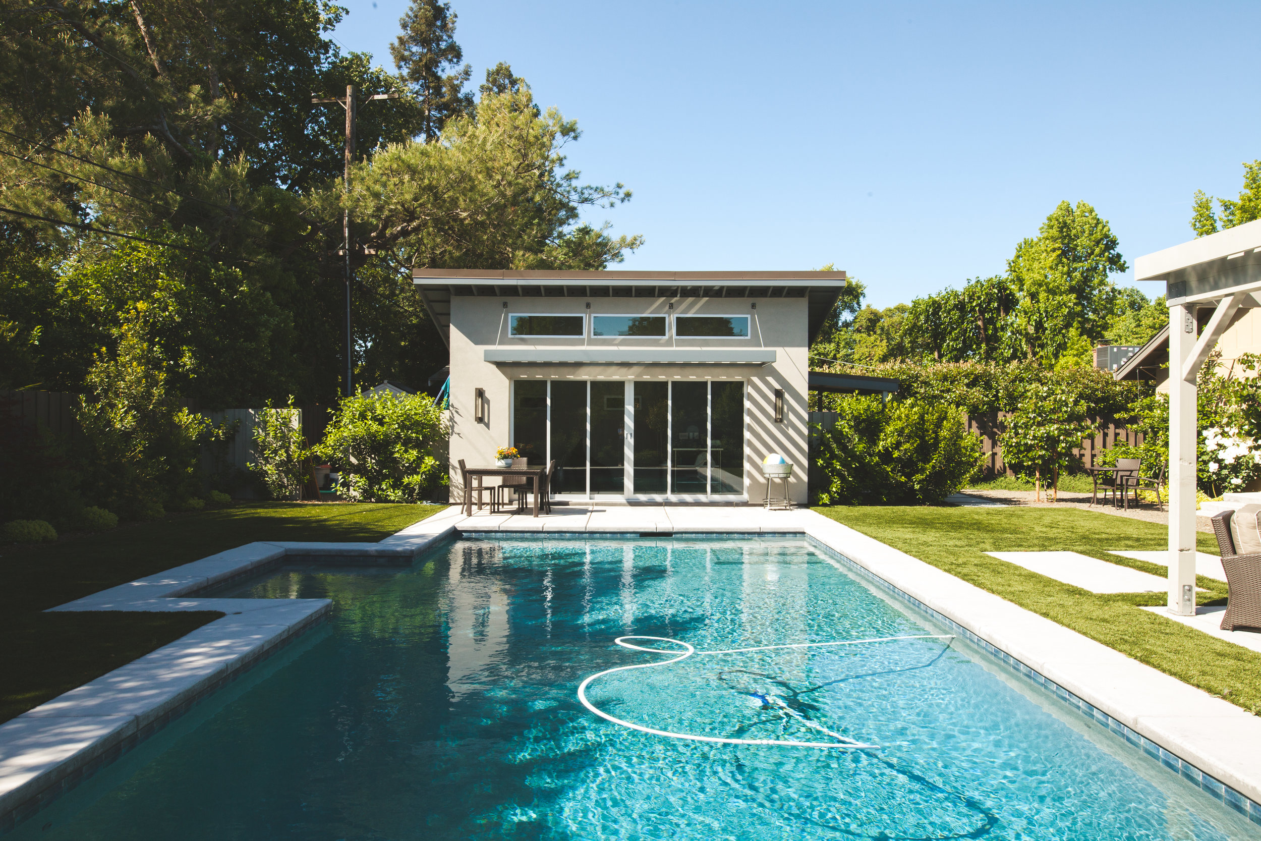 Steel-Pool-House-Gen-M.jpg