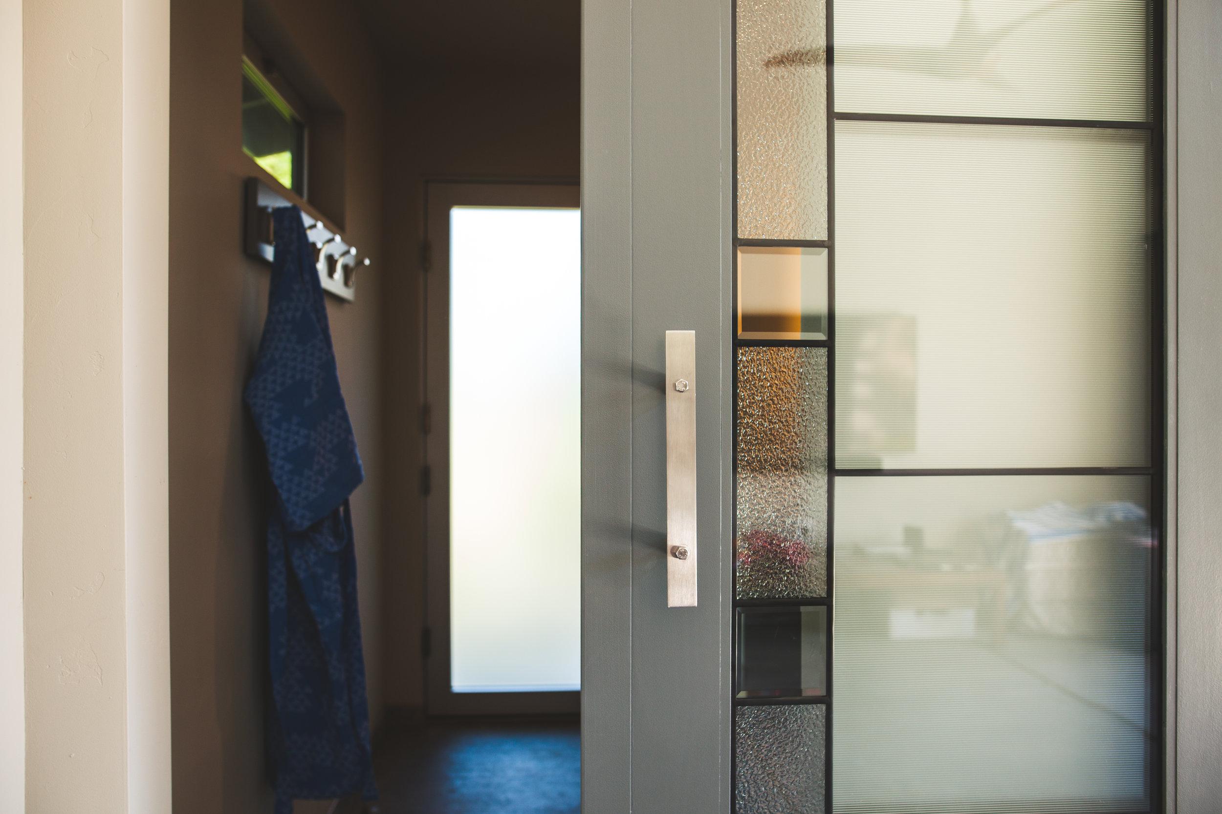 Bathroom-Doors-Glass-Gen-M.jpg