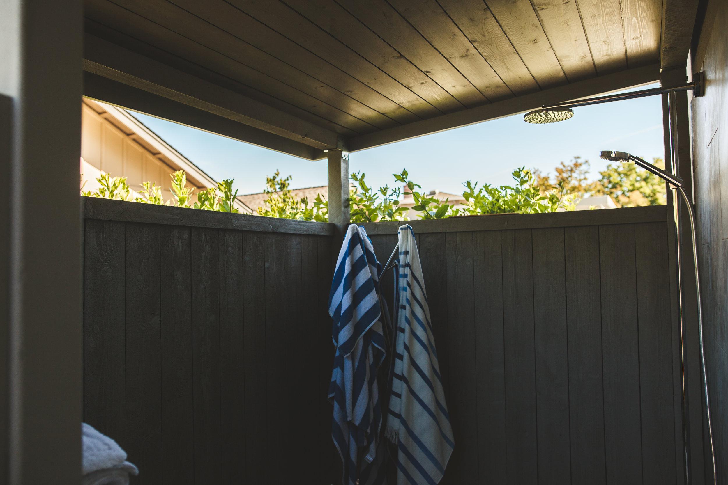 Shower-Outdoor-Covered-Gen-M .jpg