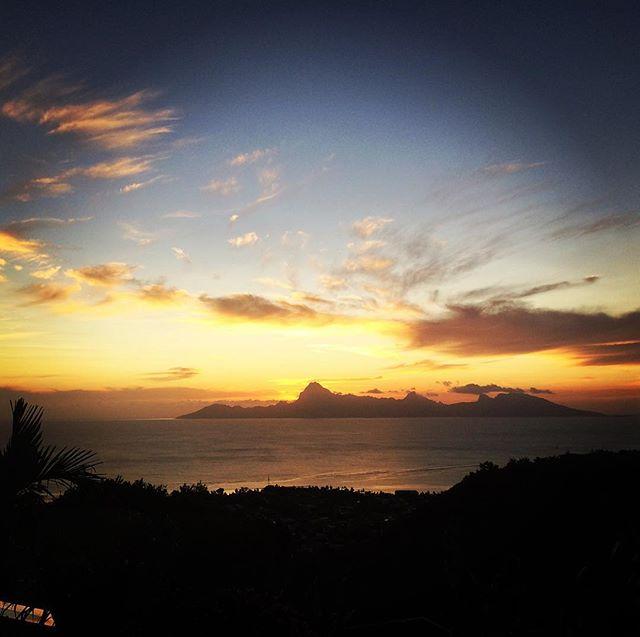 Goodnight, Mo'orea. #sunset #tahiti #hardtack