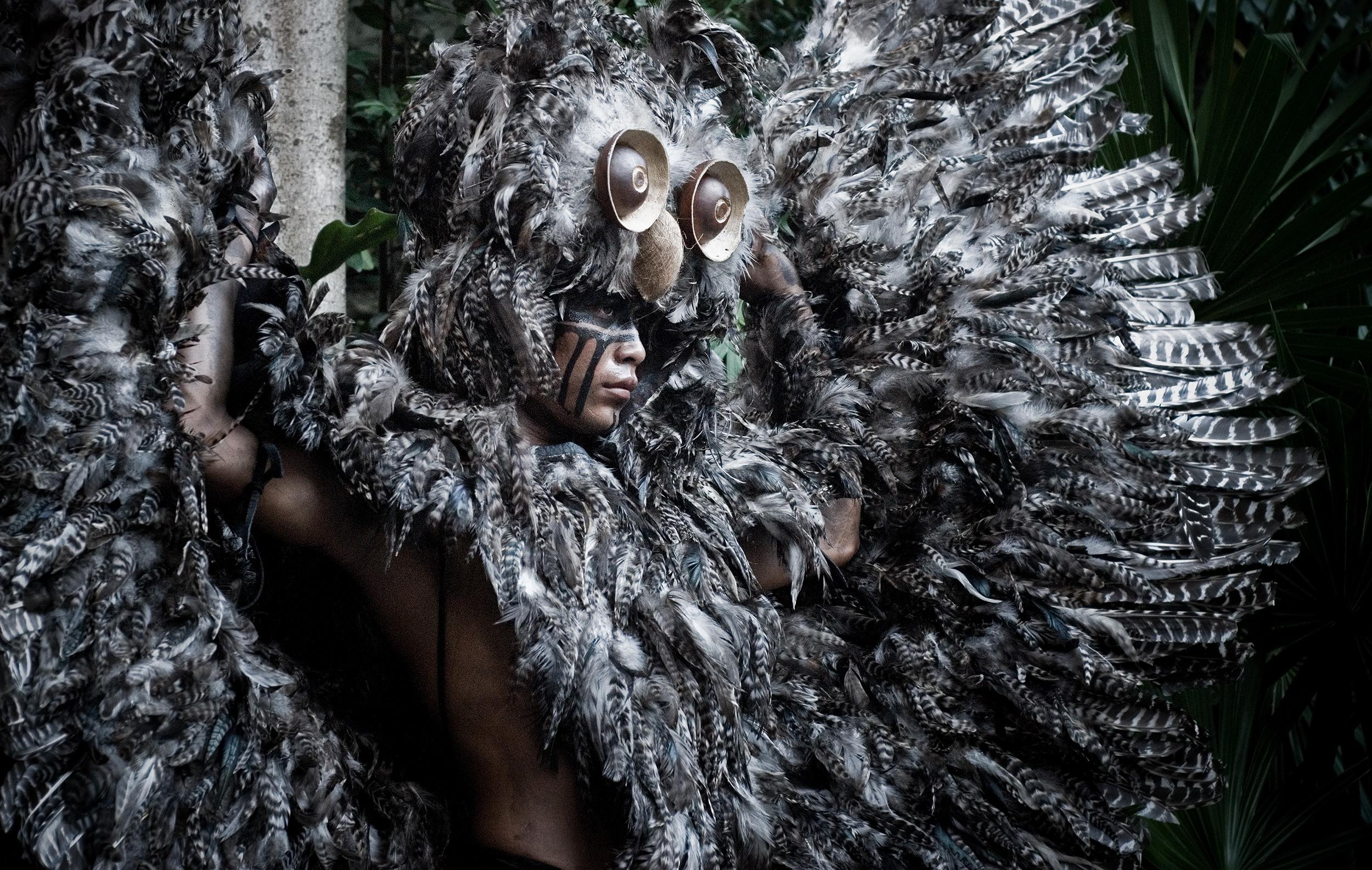 wojtek-jakubiec-photographer-montreal-mayan-mexico-documentary-Xcaret-showman.jpg