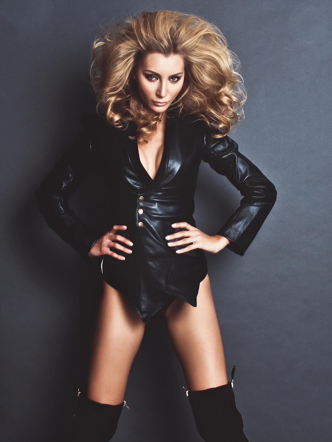 in-studio-woman-in-black-with-blond-hair.jpg