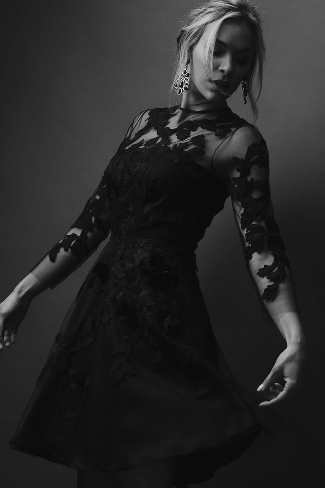 shanie-mioto-montagemodels-in-black-dress-in-studio.jpg