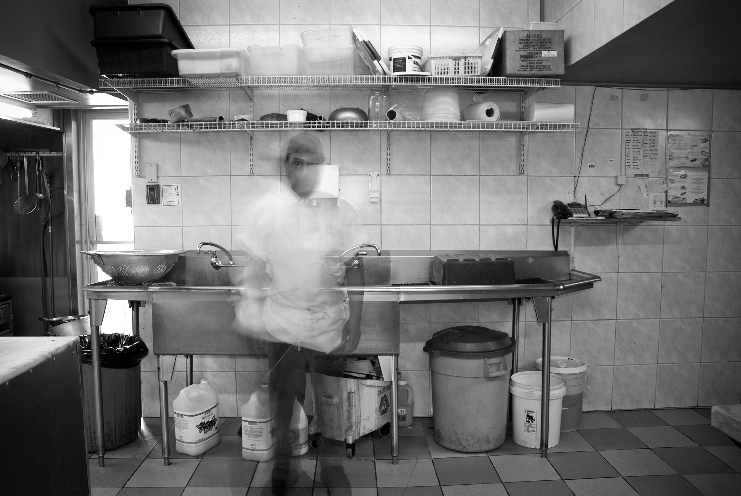 man-by-the-dishwashing-station.jpg