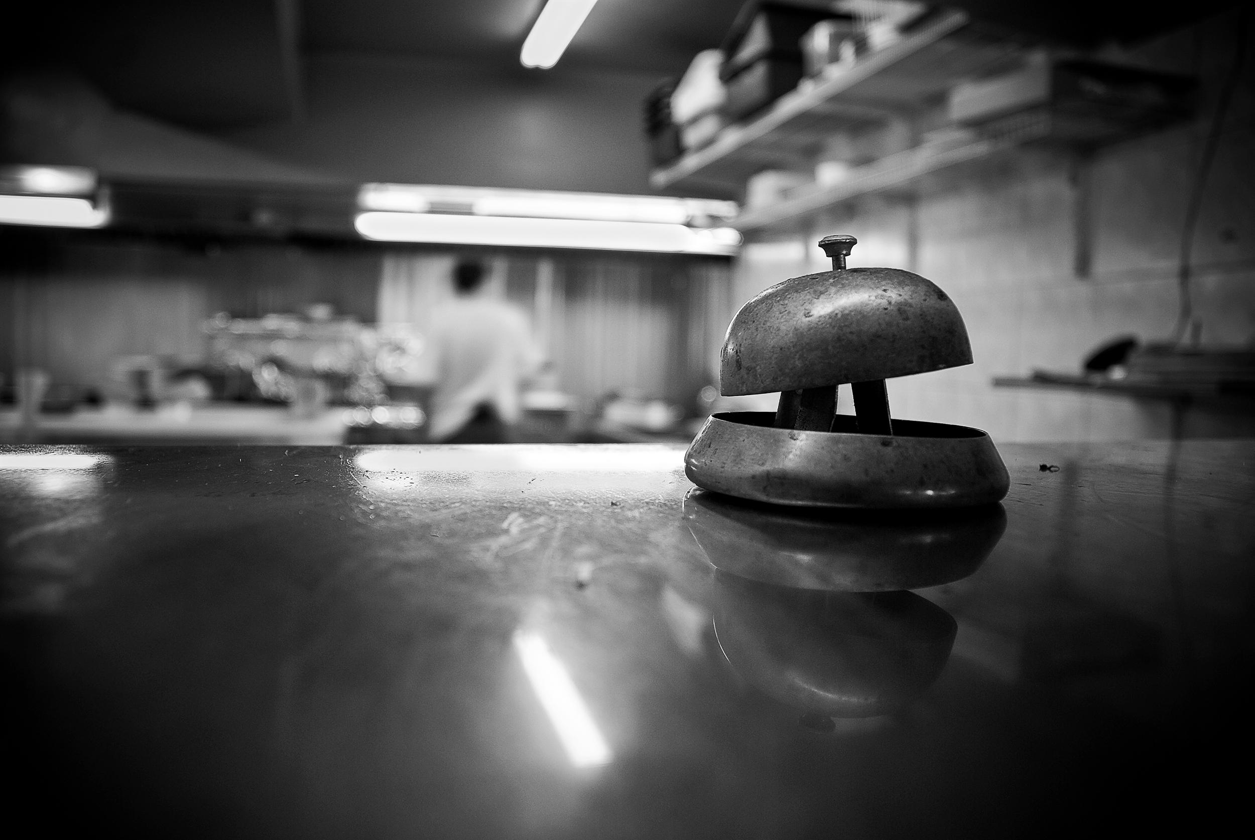 Restaurant_bell_kitchen.jpg